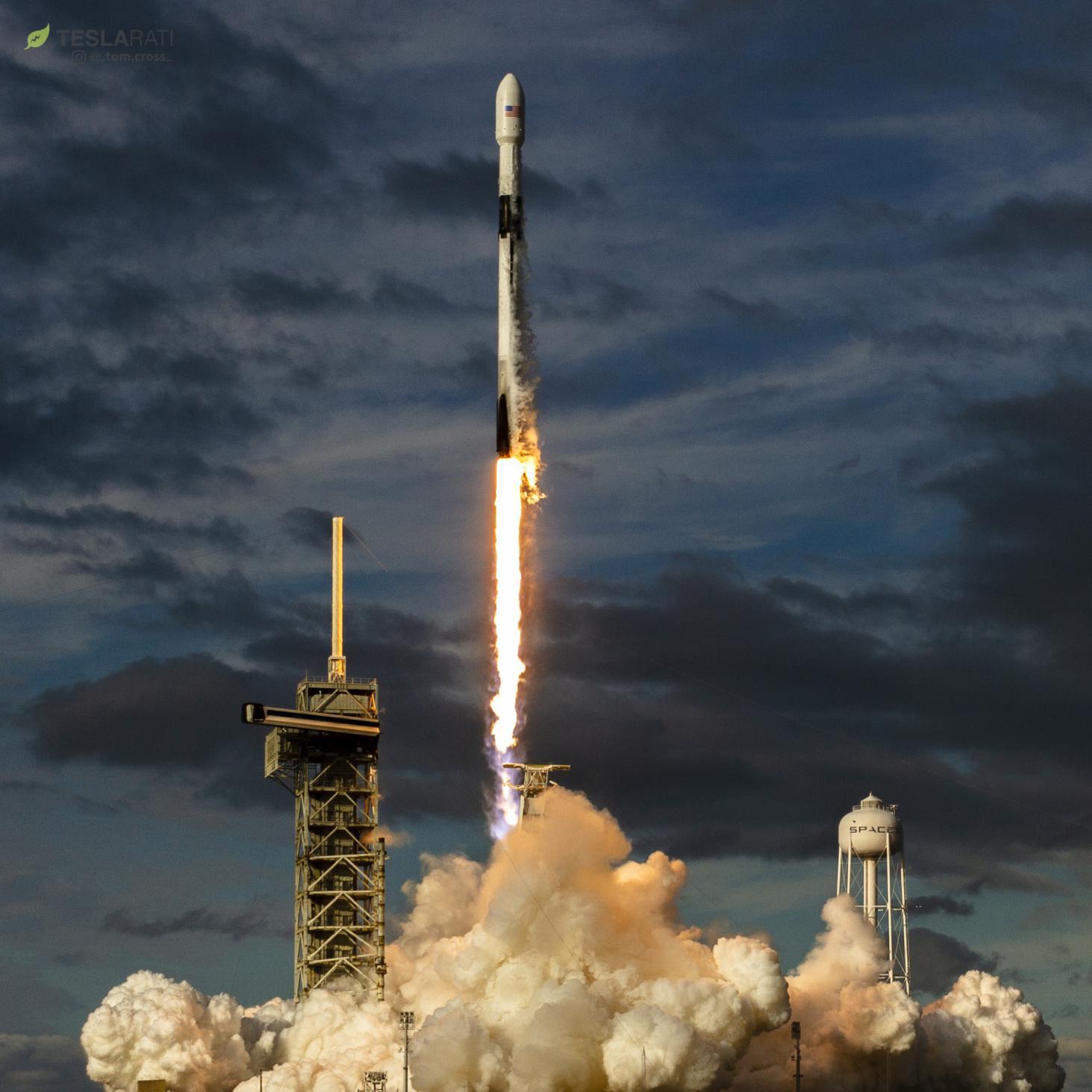 B1047 Es'hail 2 launch (Tom Cross) 8(c)
