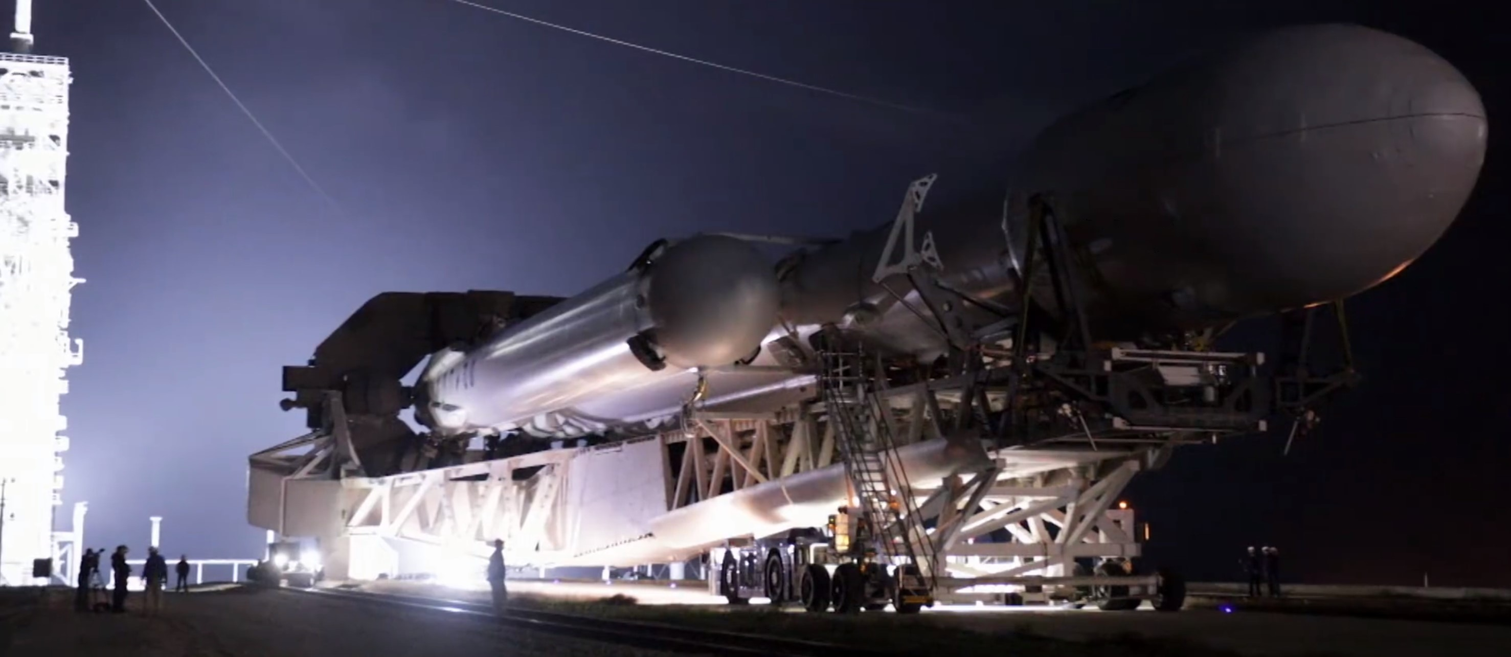 FH rollout 7 (SpaceX) crop