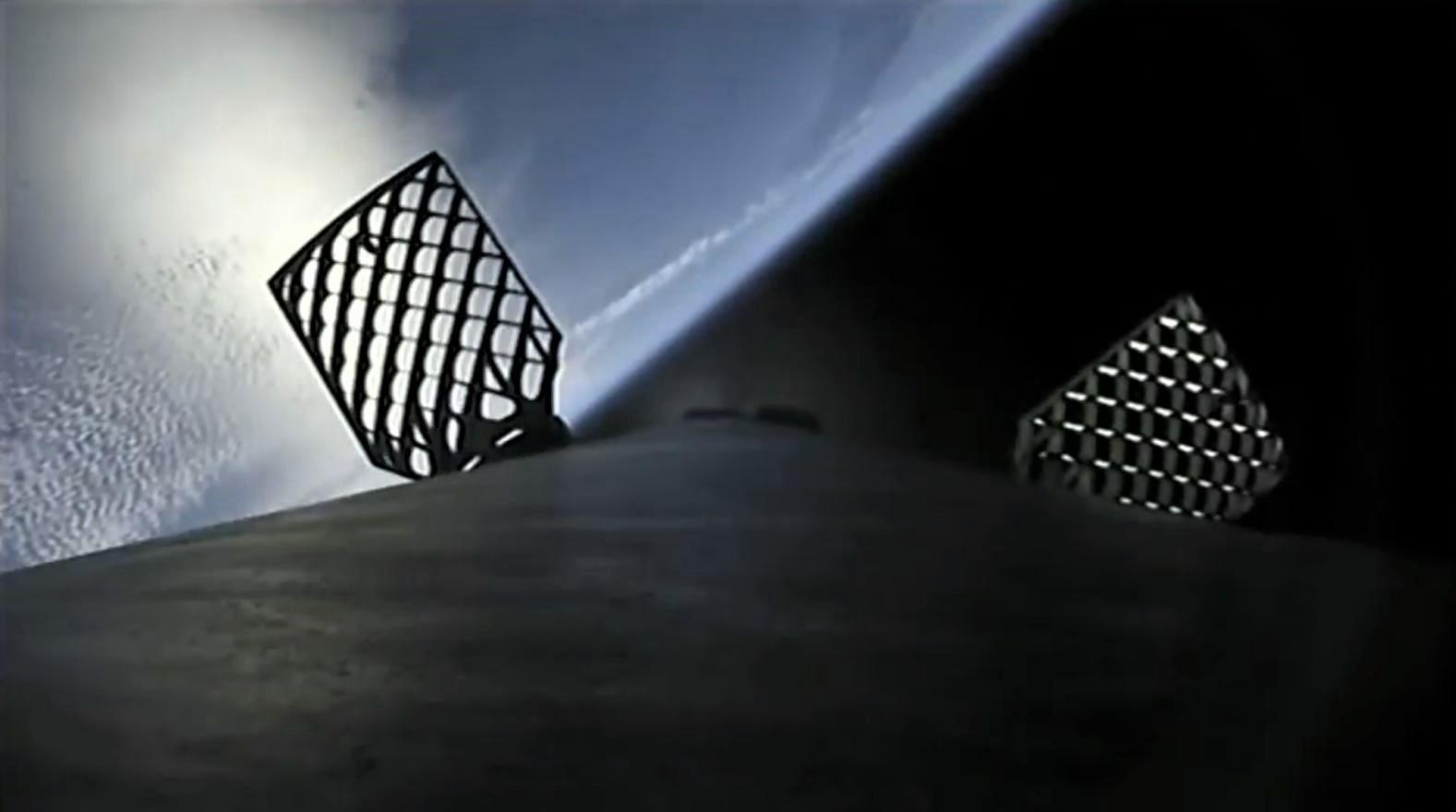 Falcon 9 B1046 SSO-A MECO + boostback (SpaceX) 3