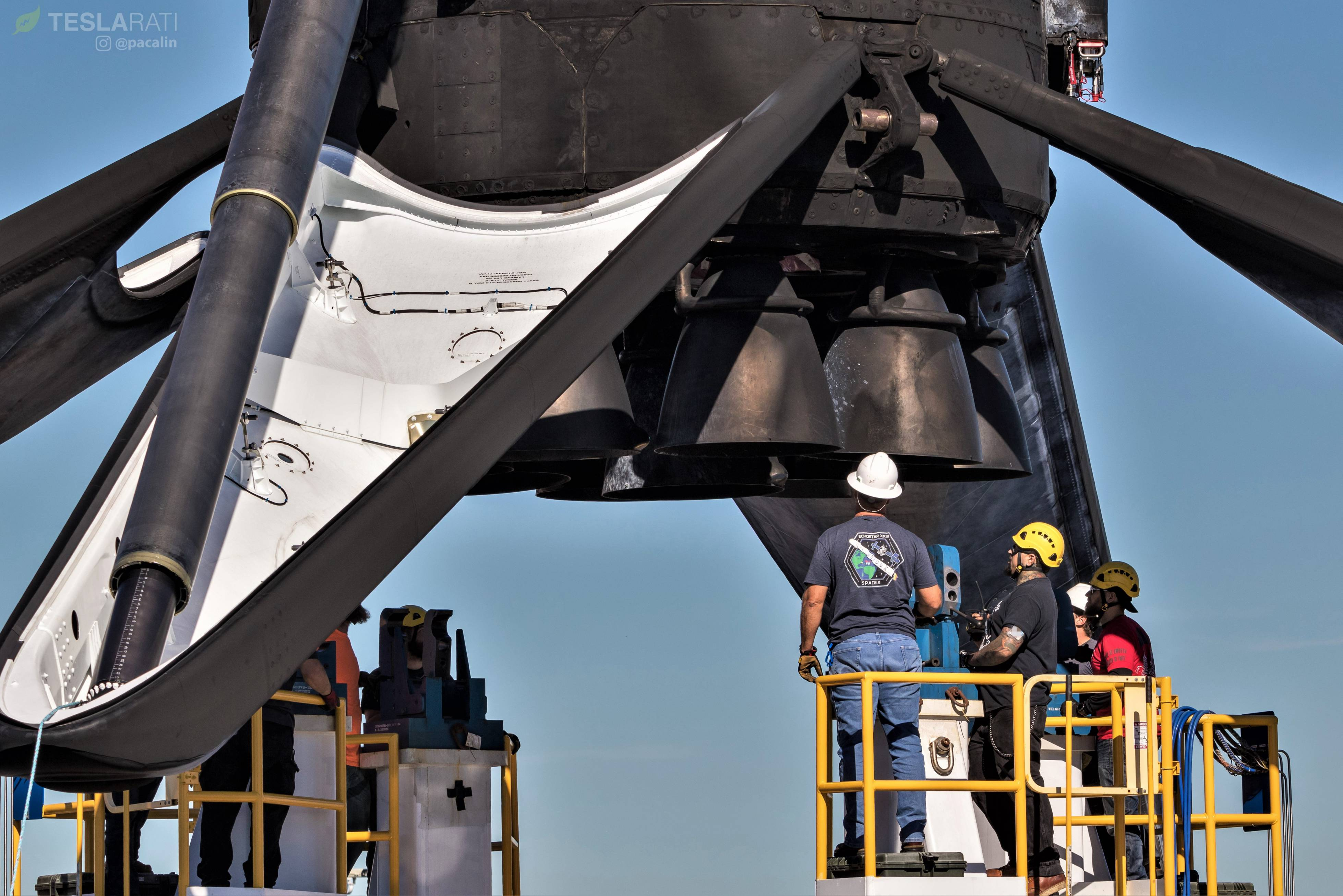 Falcon 9 B1046 SSO-A Merlins + legs 120718 (Pauline Acalin) (11)(c)