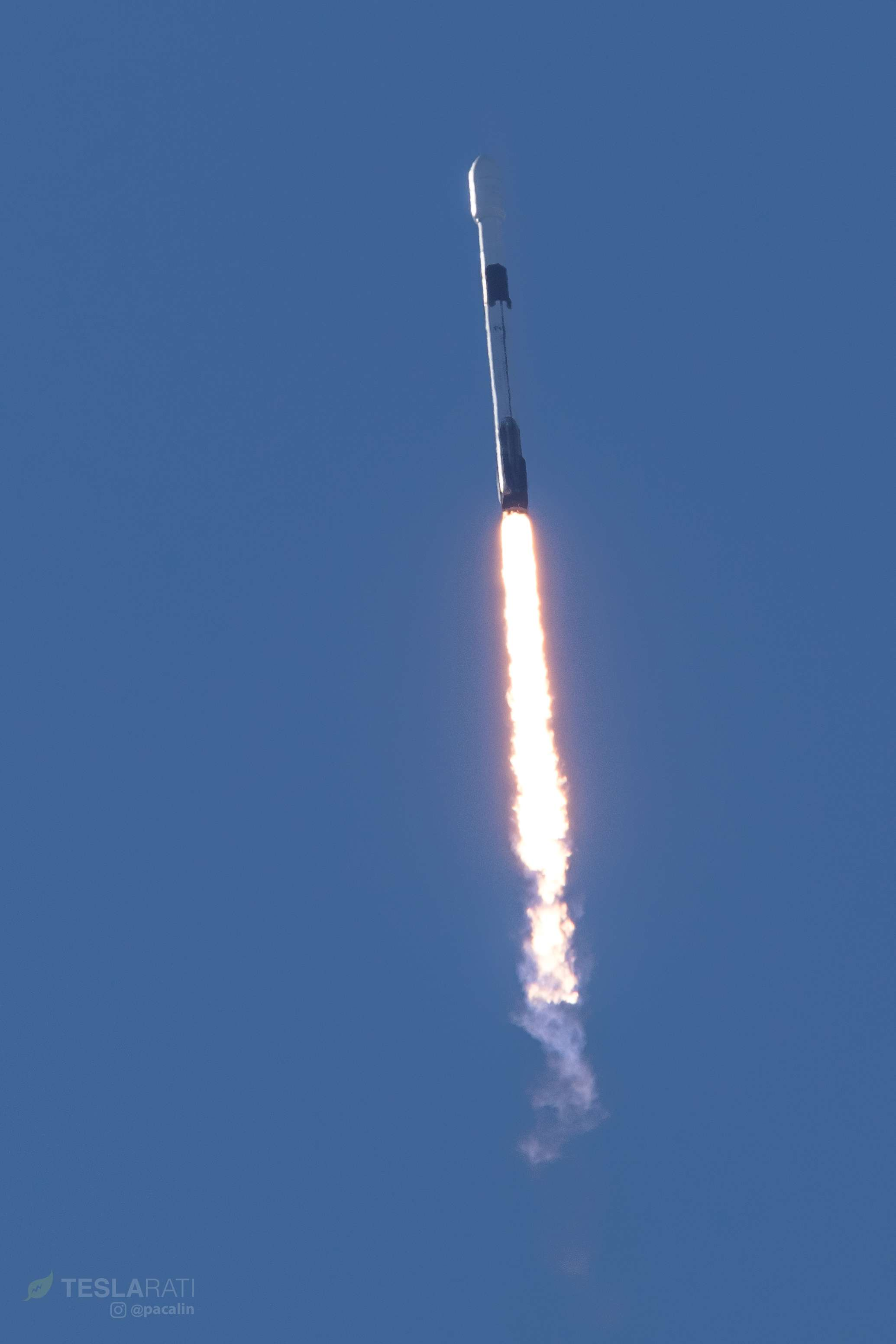Falcon 9 B1046 SSO-A ascent (Pauline Acalin) 1(c)