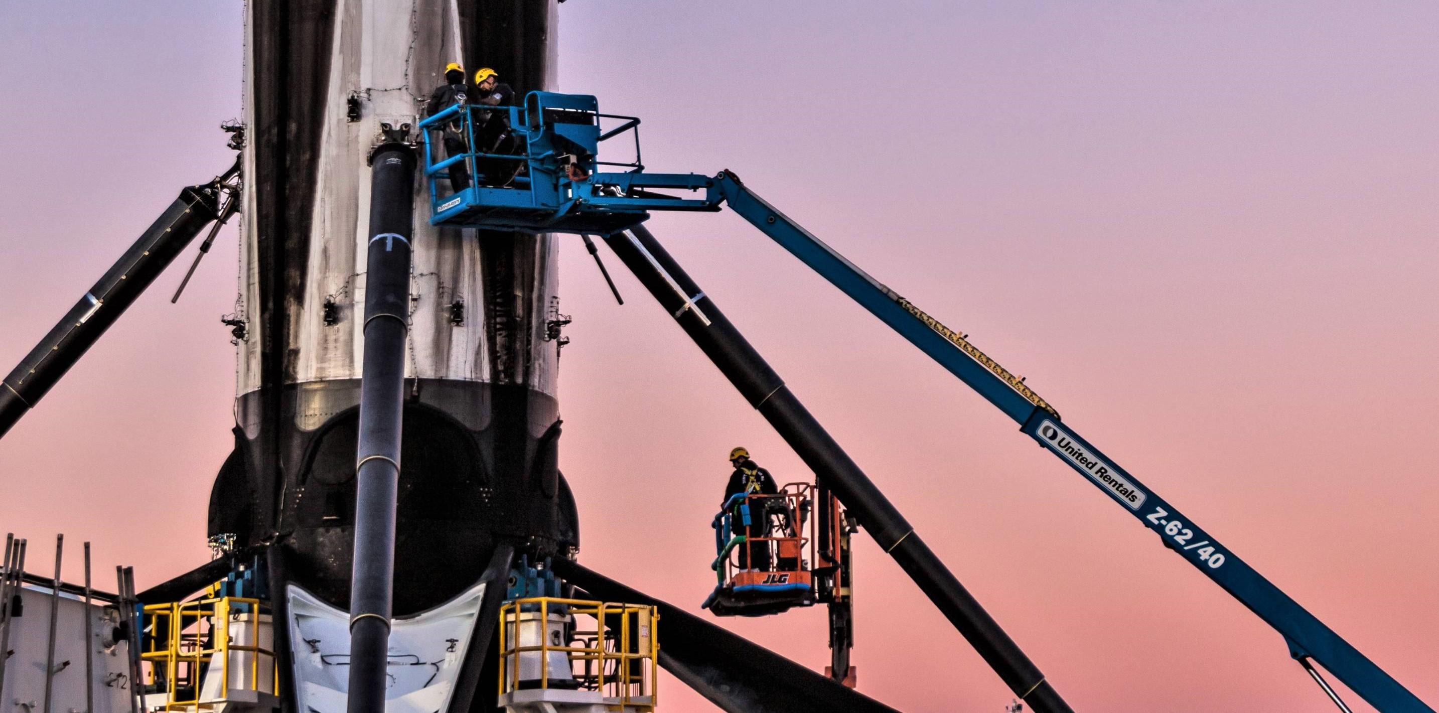 Falcon 9 B1046 SSO-A dusk 120718 (Pauline Acalin) (2)(c) crop