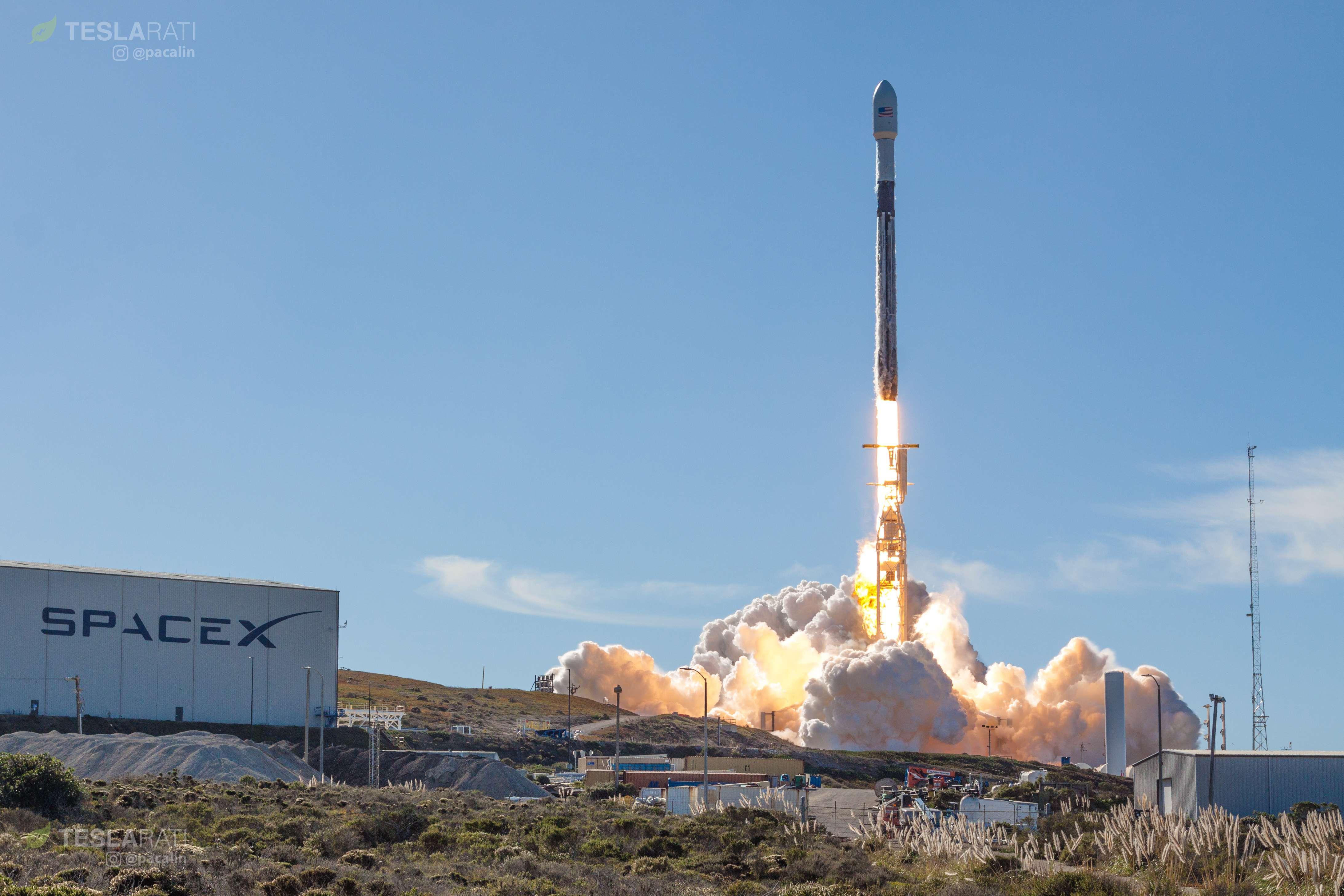Falcon 9 B1046 SSO-A liftoff (Pauline Acalin) 1(c)