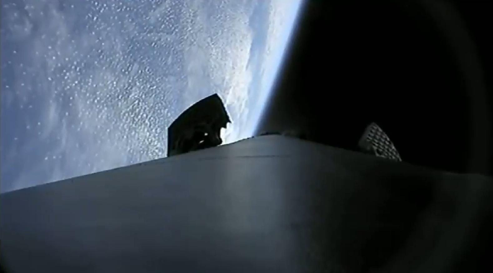 Falcon 9 B1050 CRS-16 landing (SpaceX) 1