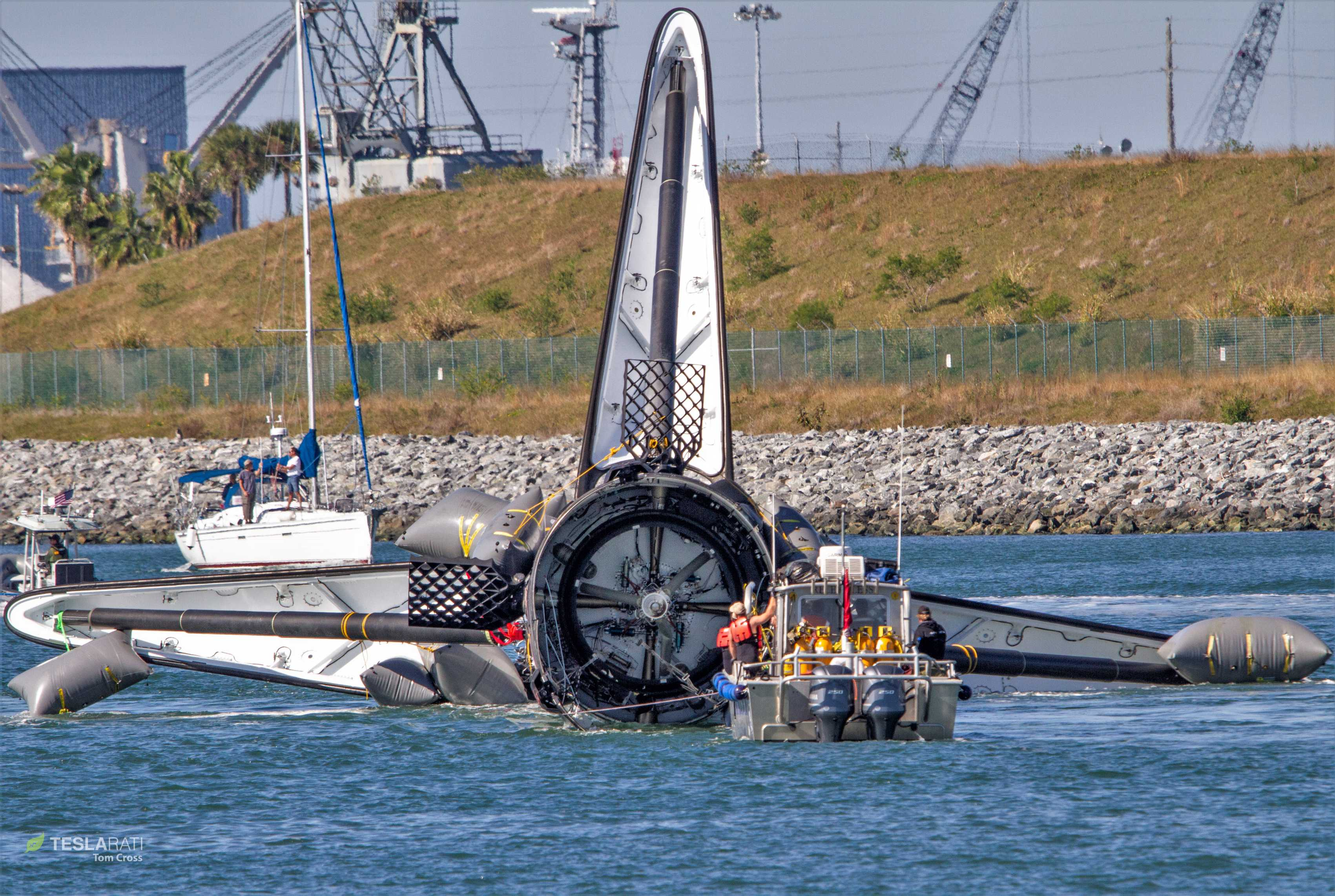 Falcon 9 B1050 Port Canaveral return 120818 (Tom Cross) (26)(c)