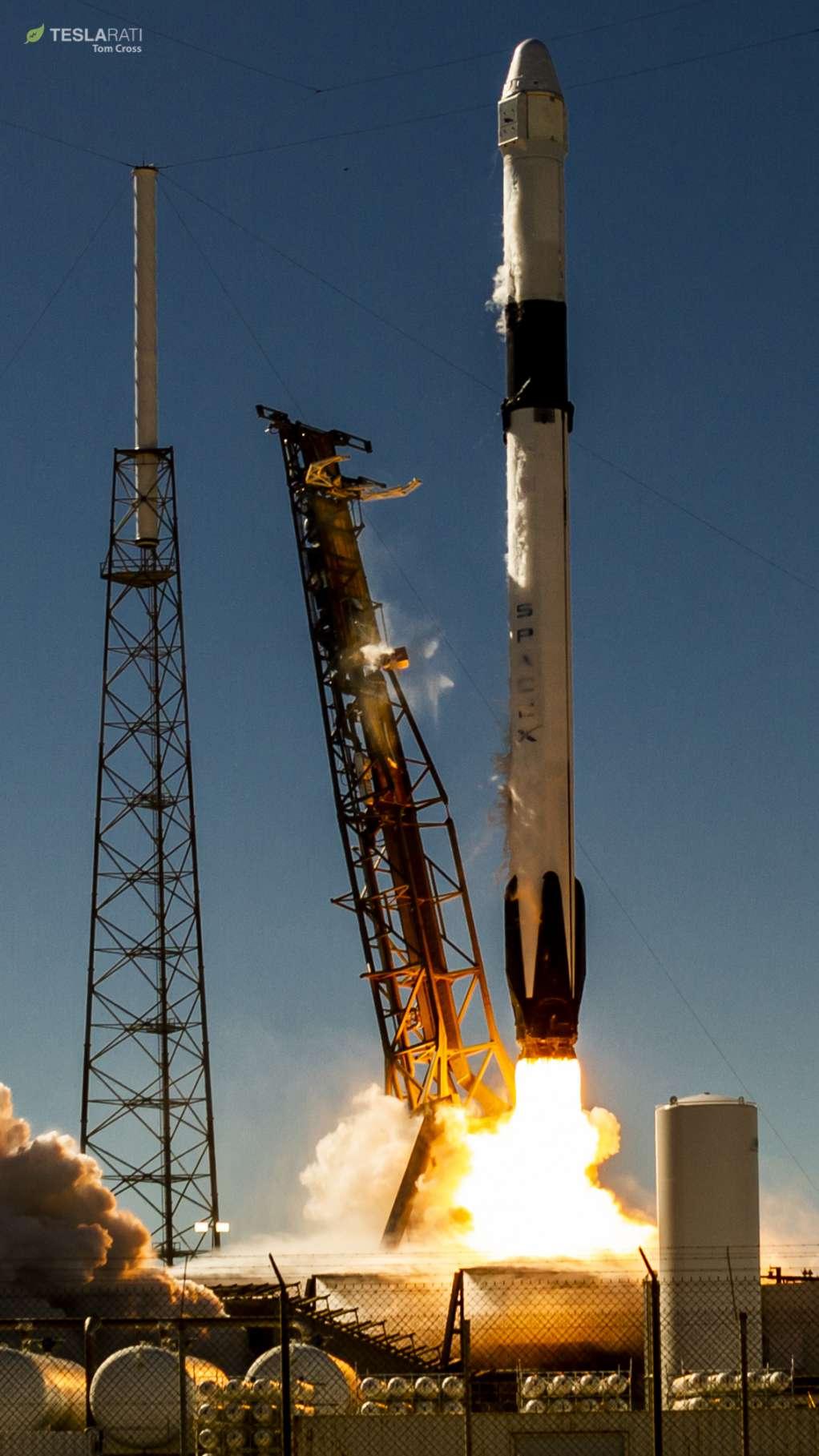 Falcon 9 B1050 launch (Tom Cross) 3(c)