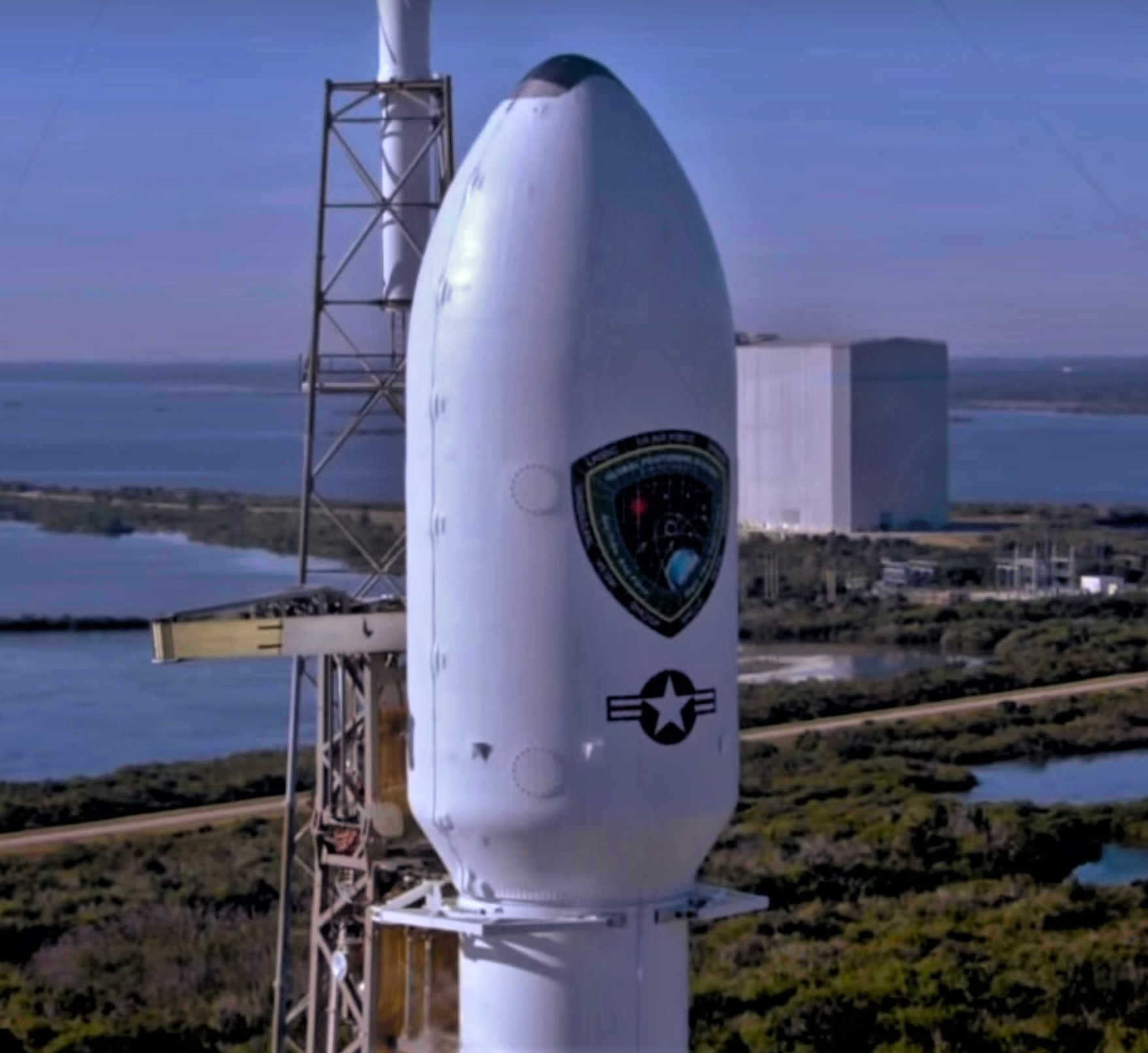 Falcon 9 B1054 fairing GPS III SV01 (SpaceX)