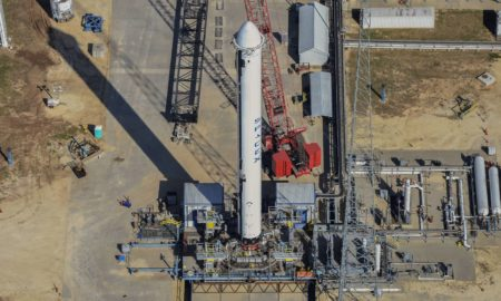 SpaceX replaced its tripod stand with a more functional ground-level test stand. (Teslarati/Aero Photo)