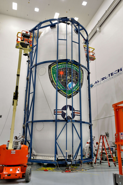 GPS III SV01 Falcon 9 encapsulation 120718 (Lockheed Martin) 5(c)