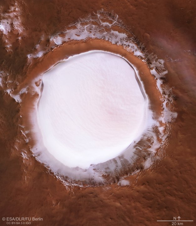 Plan_view_of_Korolev_crater_large