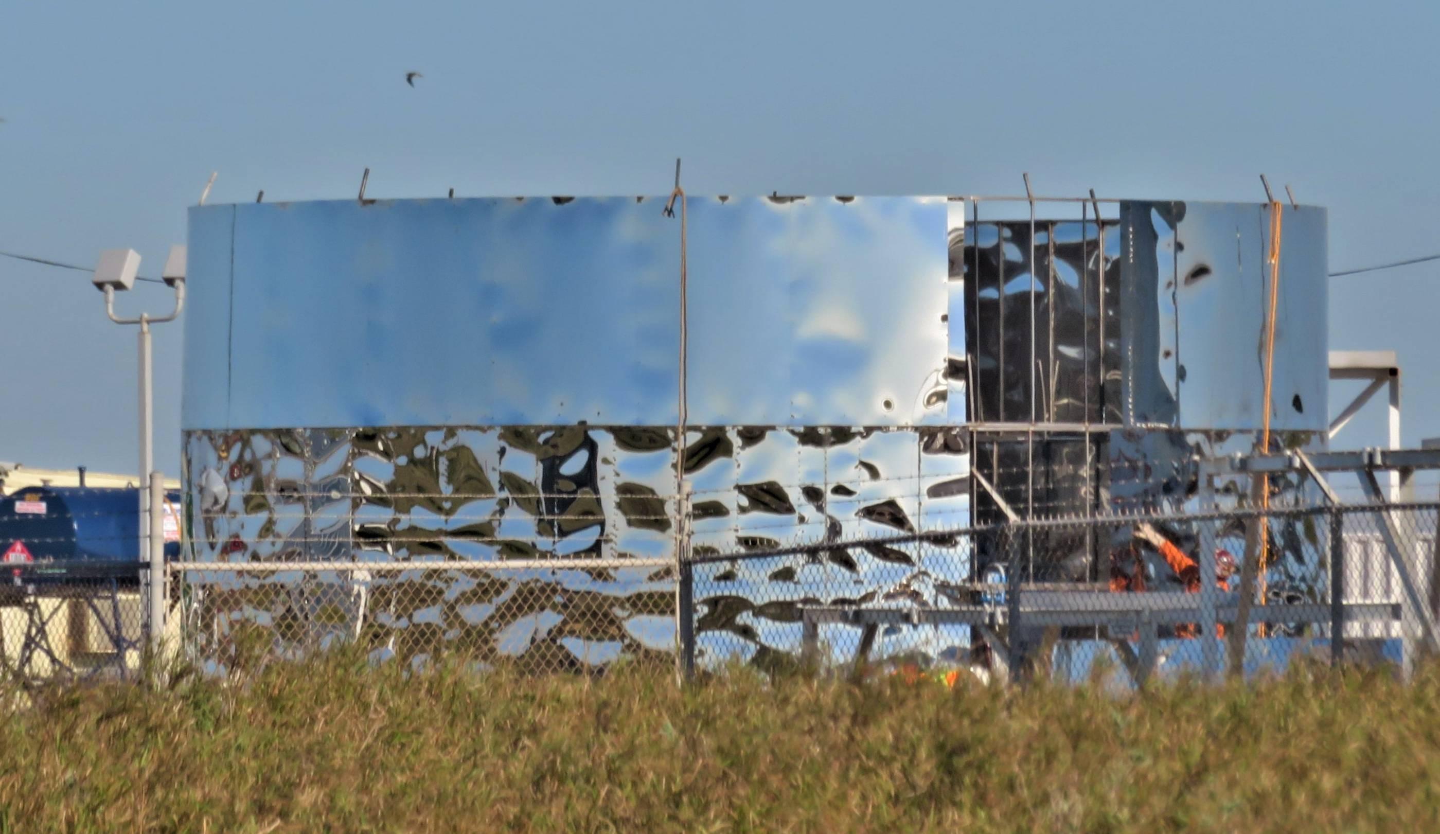 Starship hopper construction (bocachicagal – NASASpaceflight) 2(c)
