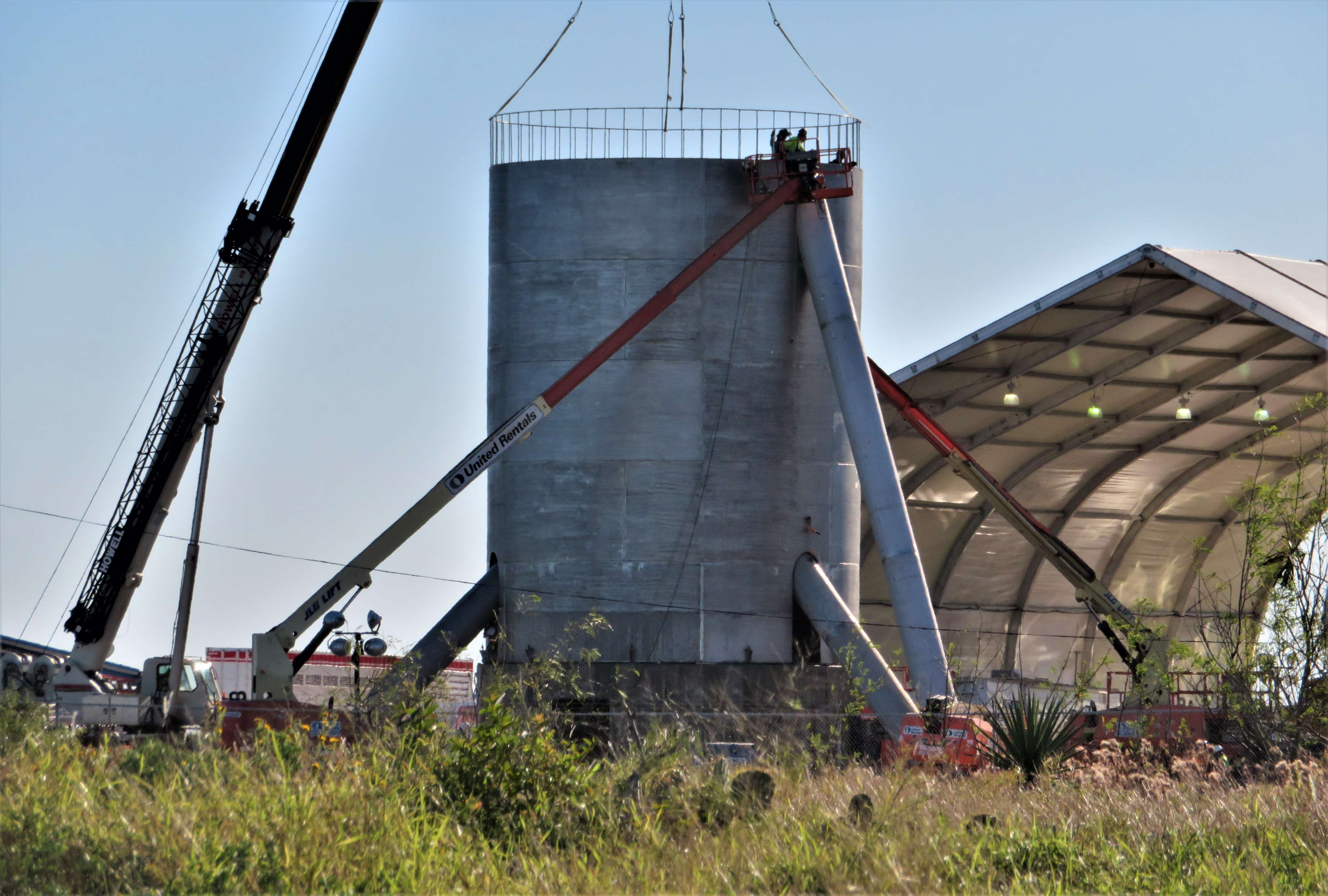 Starship hopper construction (bocachicagal – NASASpaceflight) 6(c)