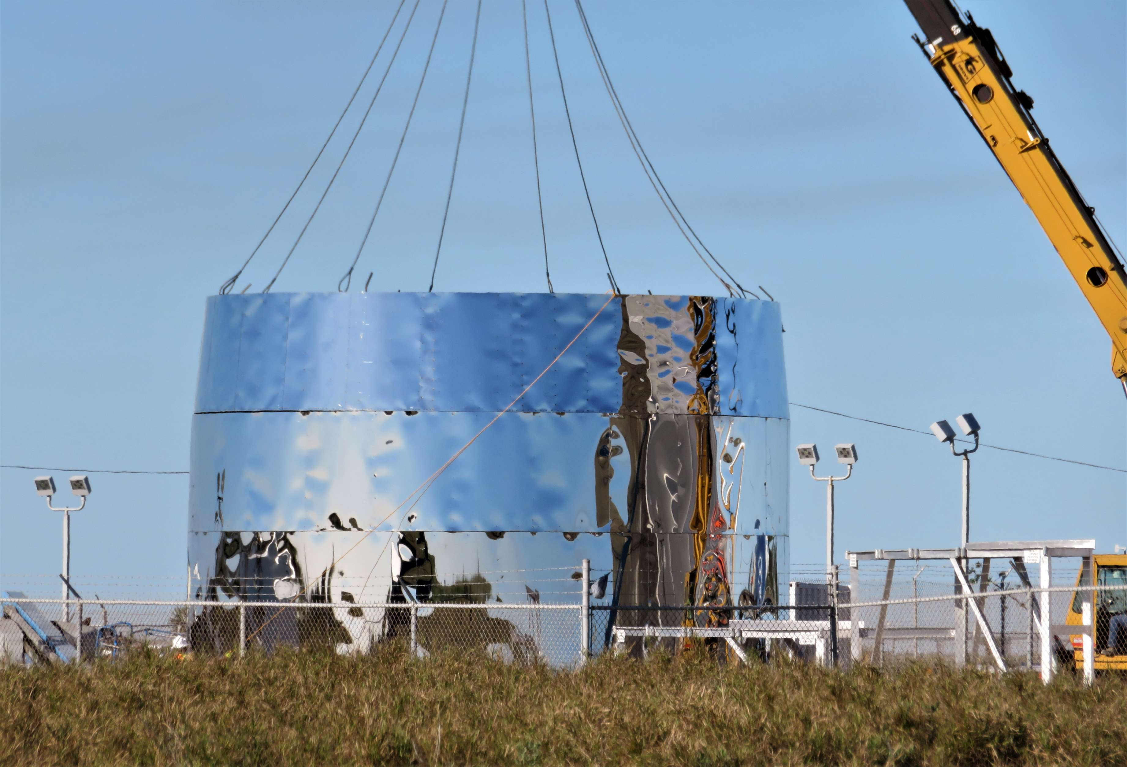 Starship hopper construction (bocachicagal – NASASpaceflight) 7(c)