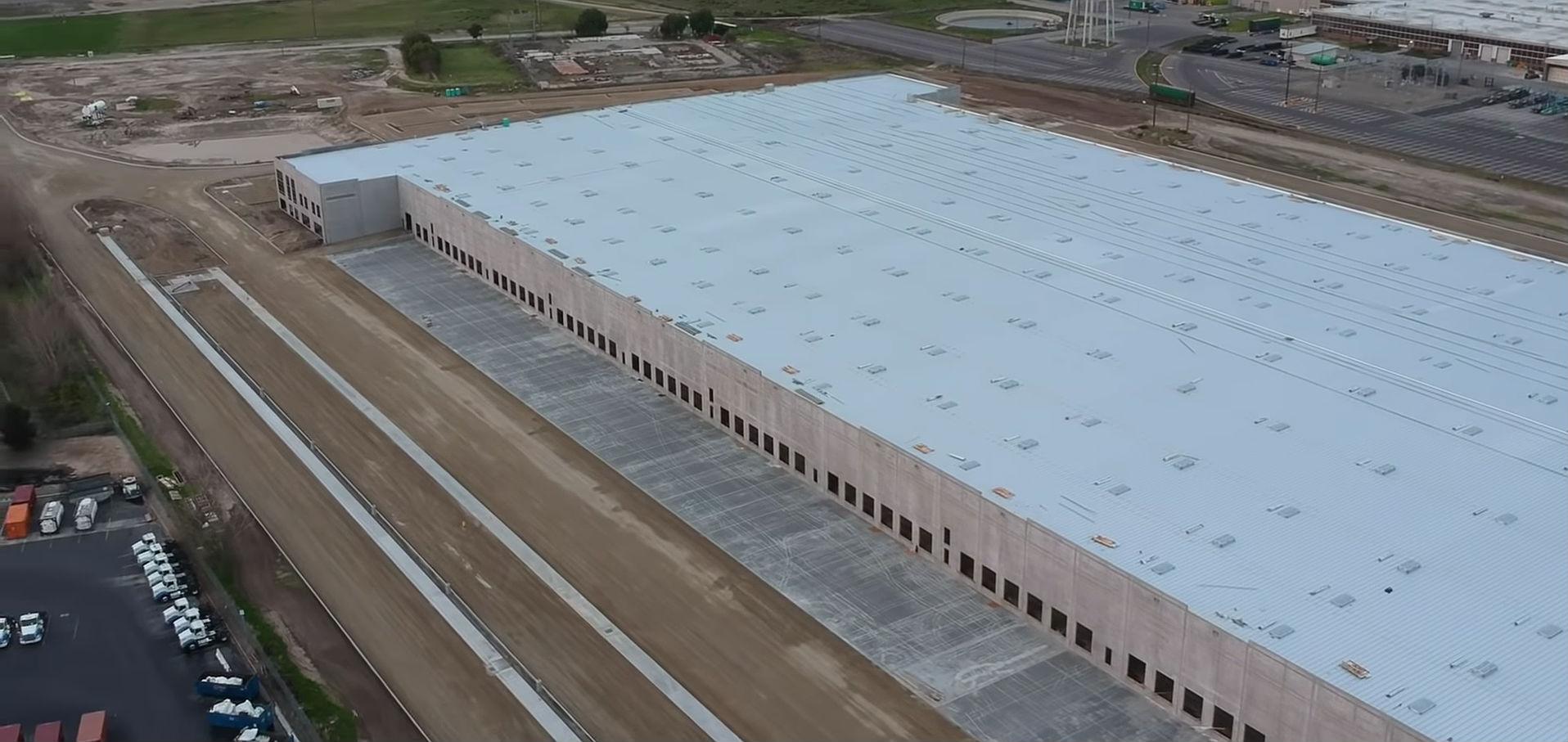 tesla-lathrop-facility