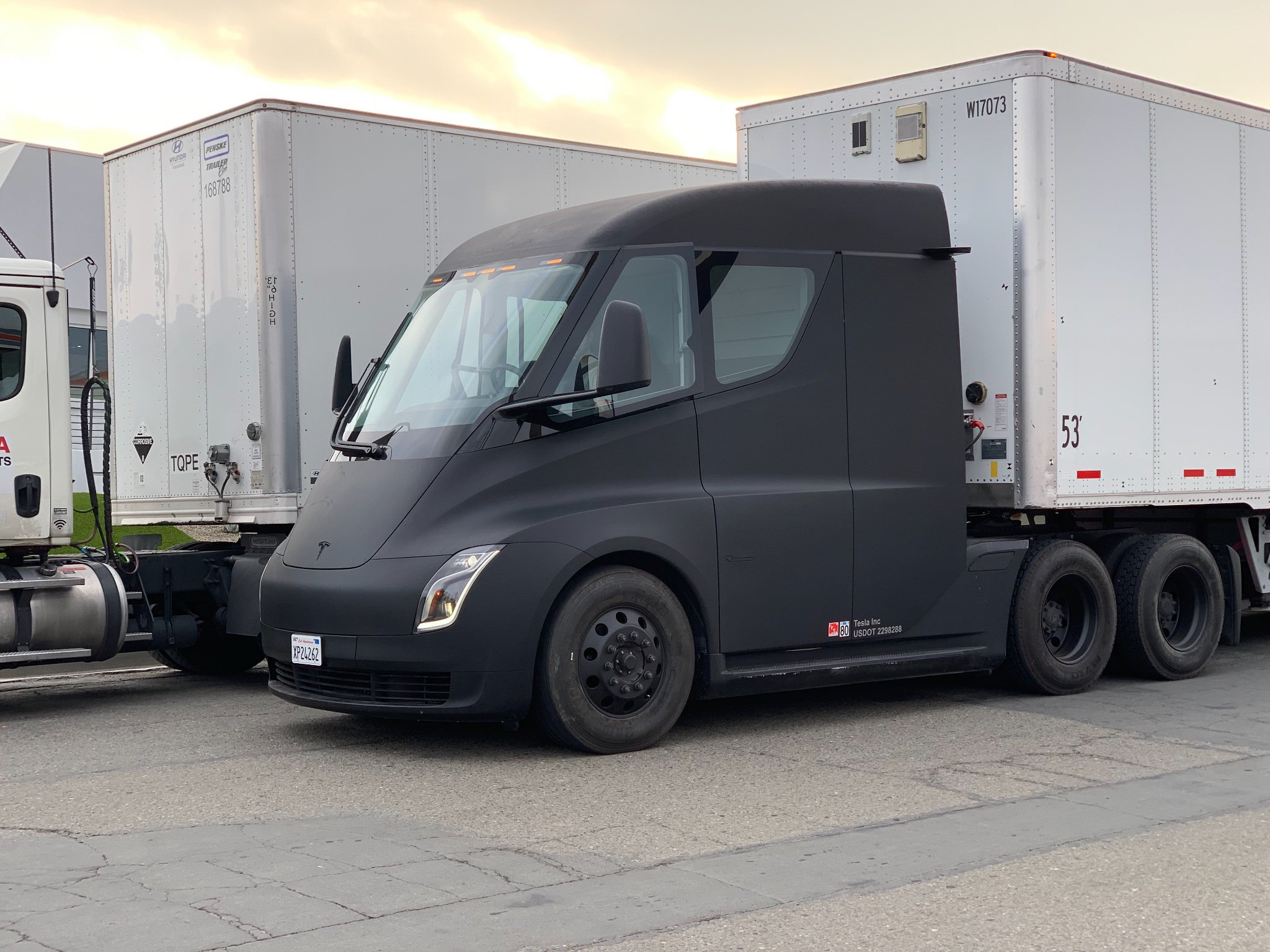 tesla-semi-matte-black-3