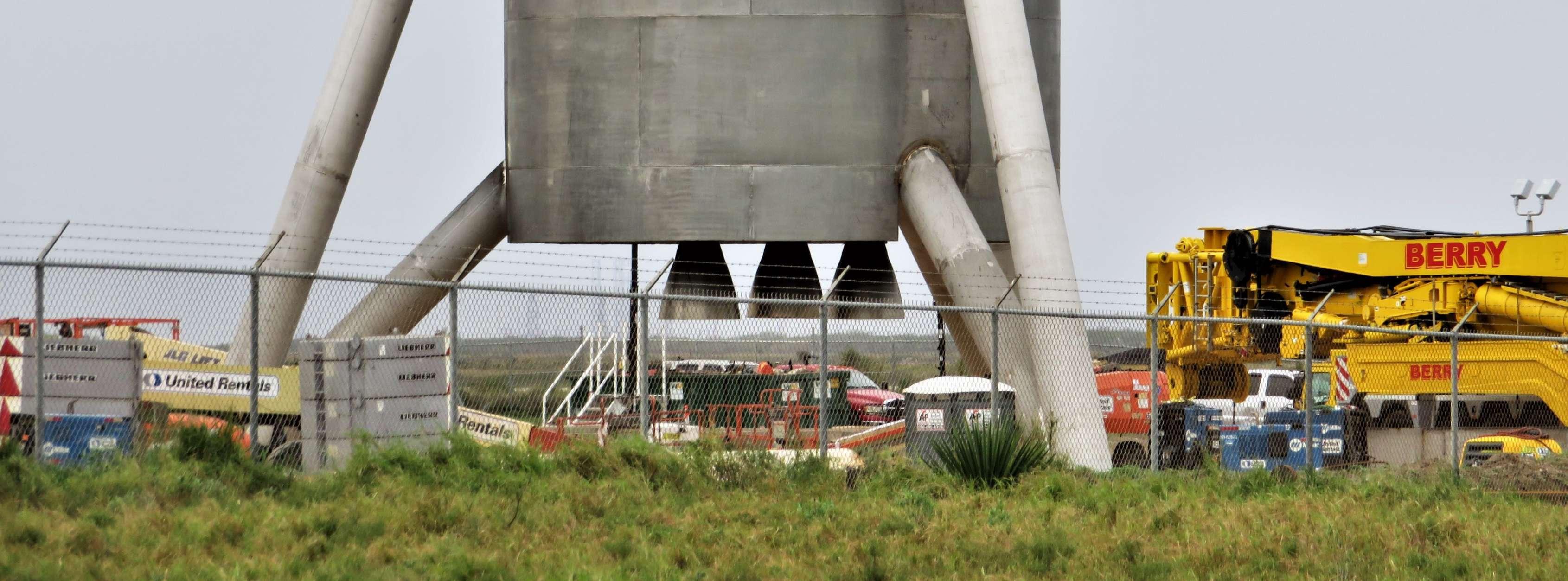 Boca Chica Starship Alpha progress 010118 (NSF – bocachicagal) 4 crop(c)