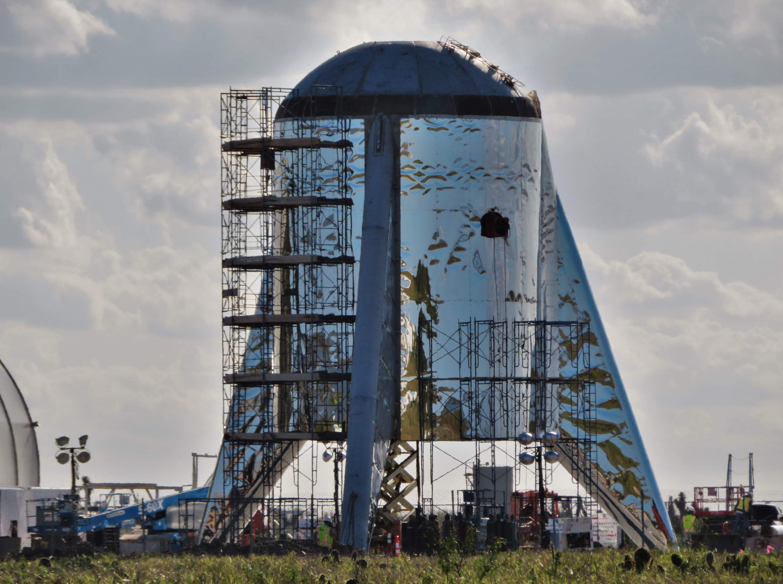 Boca Chica Starship dome work 012719 (NASASpaceflight – bocachicagal) 2 (c)
