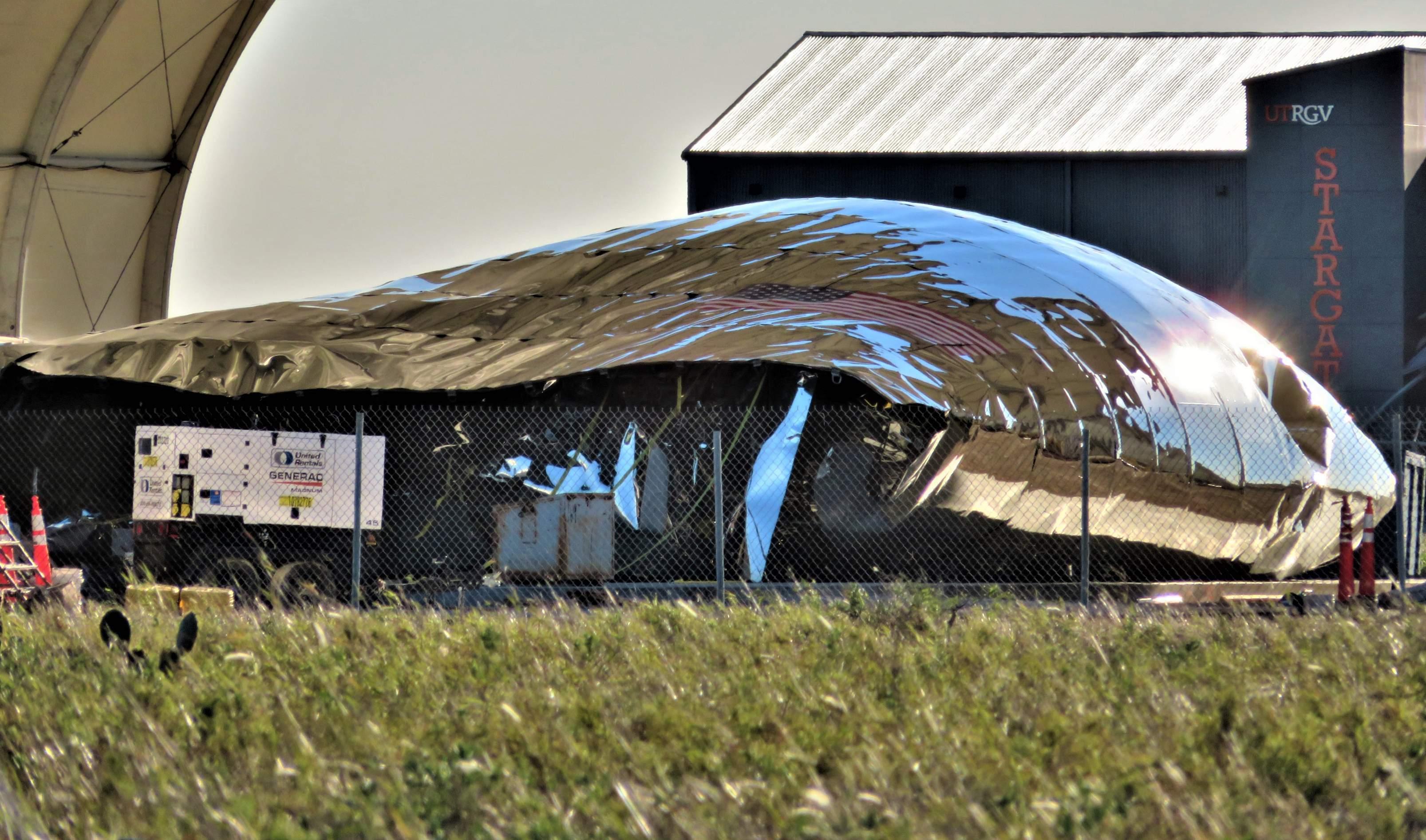 Boca Chica Starship nose collapse 012319 (NASASpaceflight – bocachicagal) 3 edit (c)