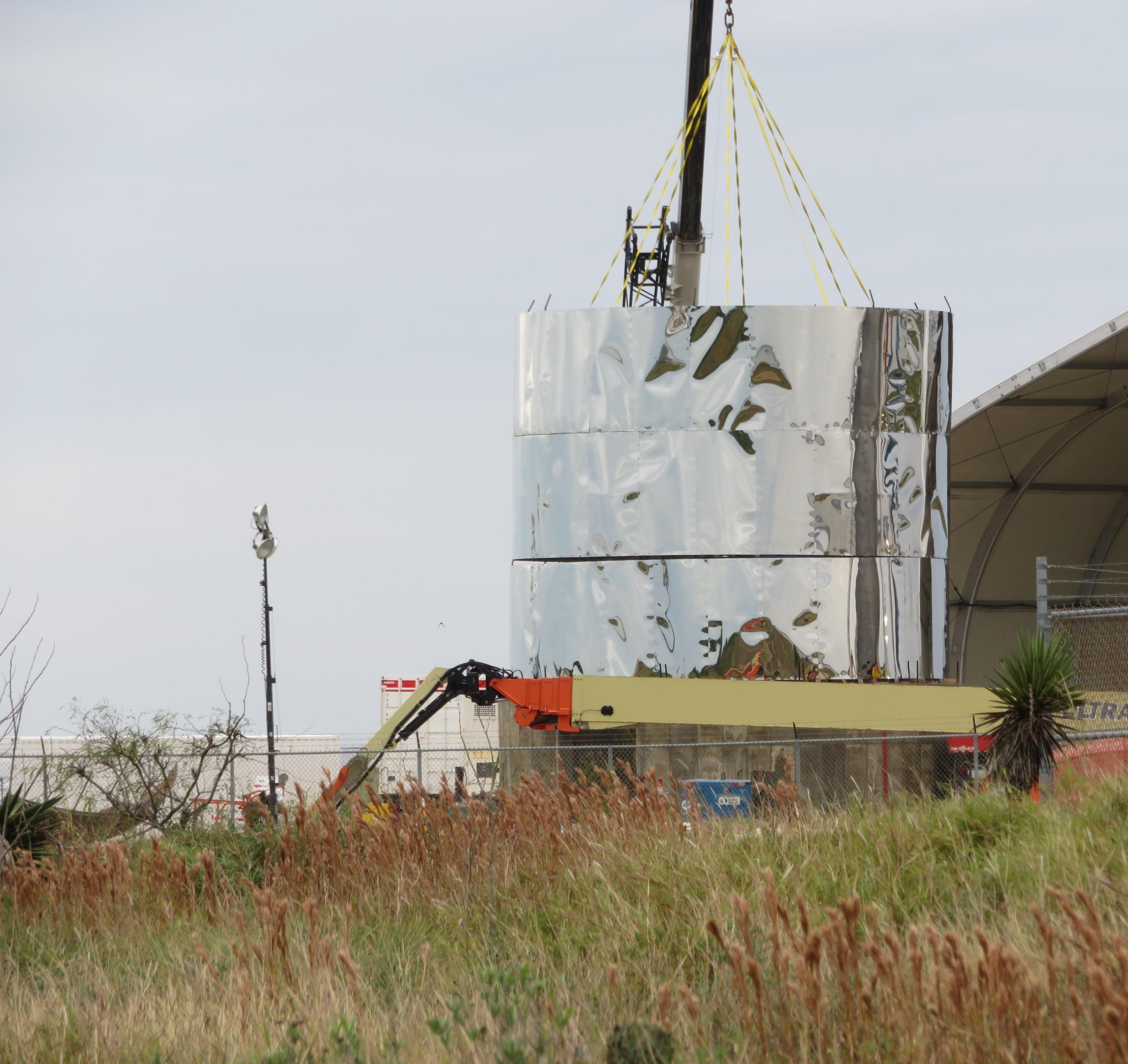 Boca Chica Starship progress 123118 (NSF – bocachicagal) 1(c)
