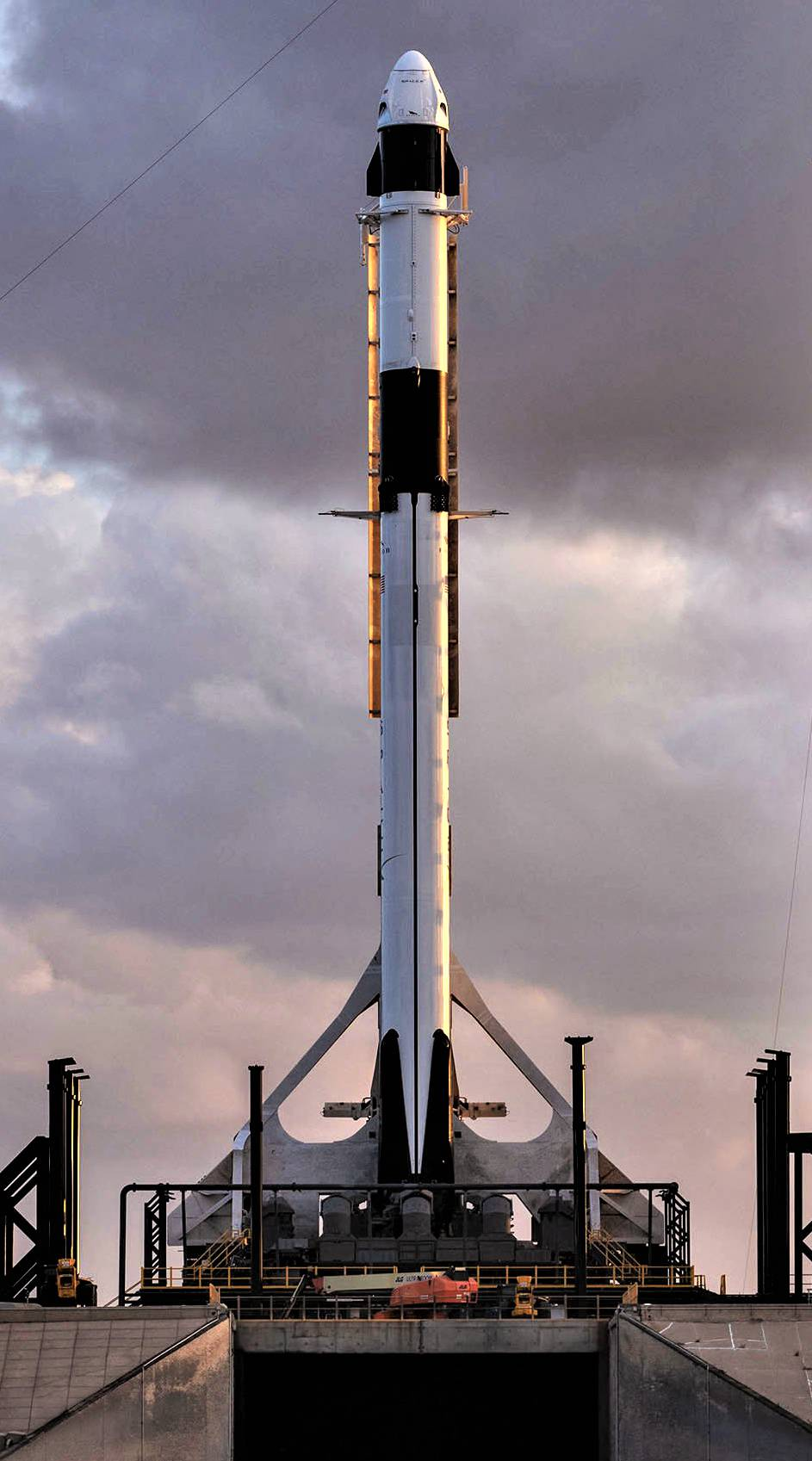 Crew Dragon DM-1 Falcon 9 B1051 rollout (SpaceX) 3 tall(c)