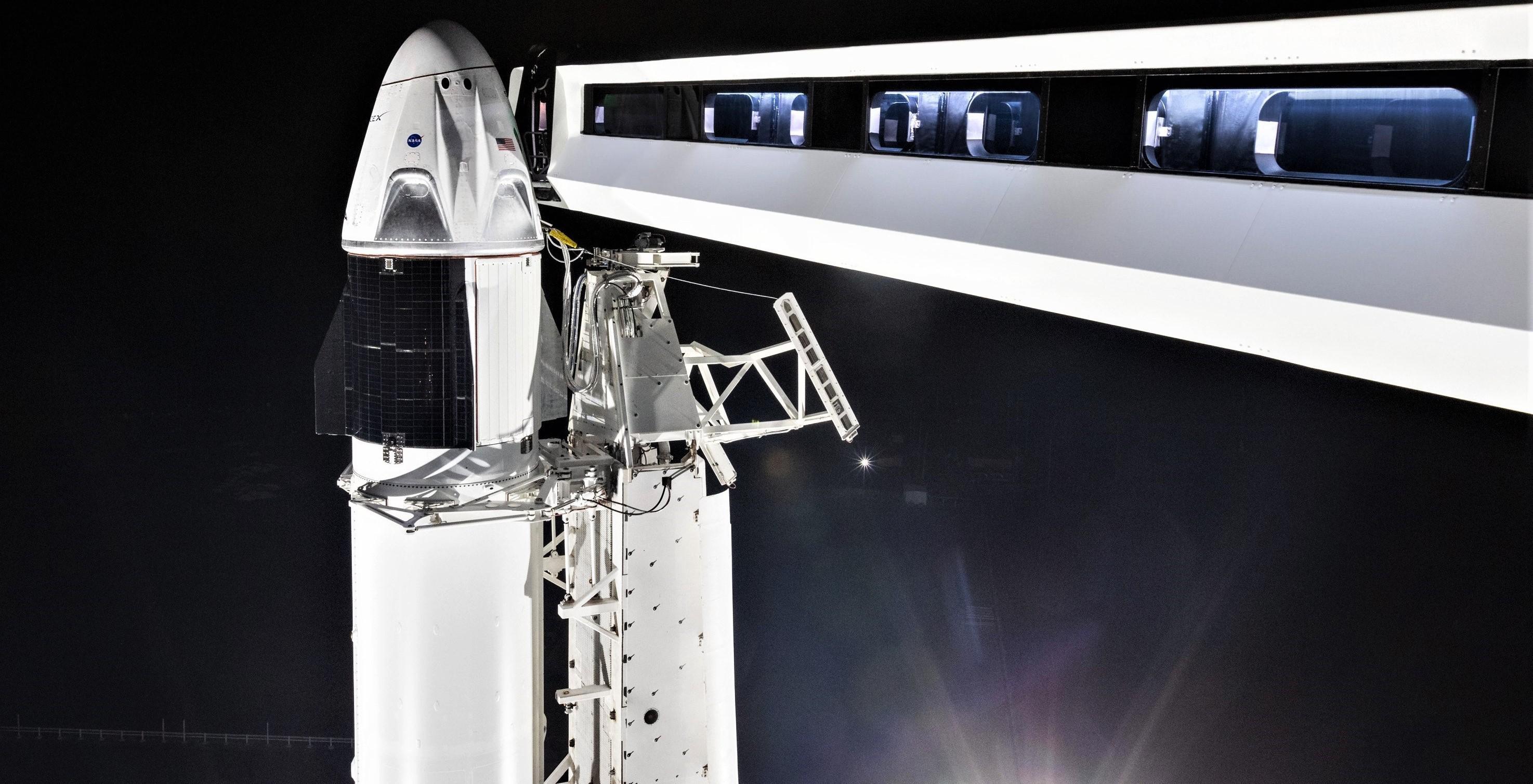 Crew Dragon DM-1 Falcon 9 B1051 rollout (SpaceX) 4 wide