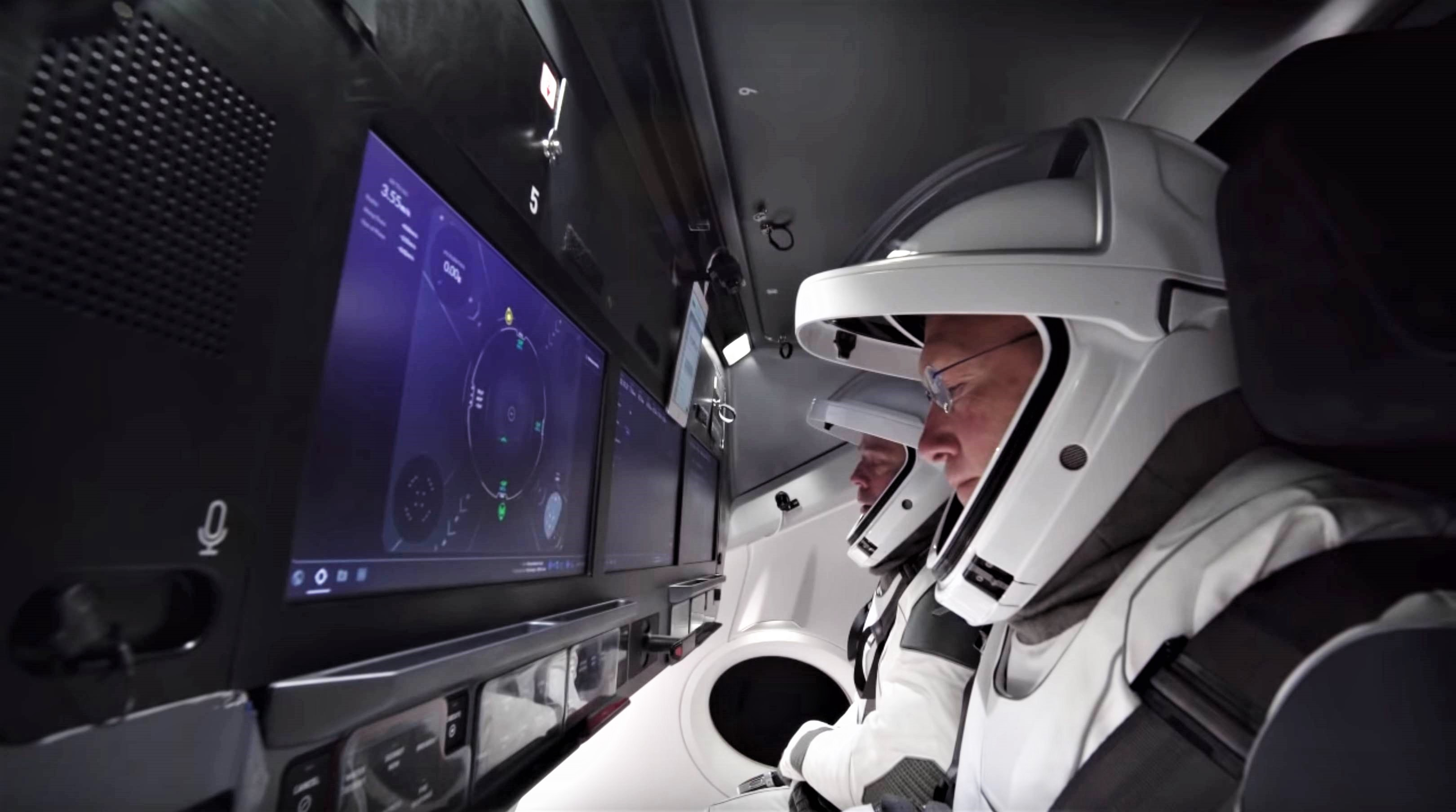 SpaceX's crewed Dragon launch debut likely to slip into 2020 as ...