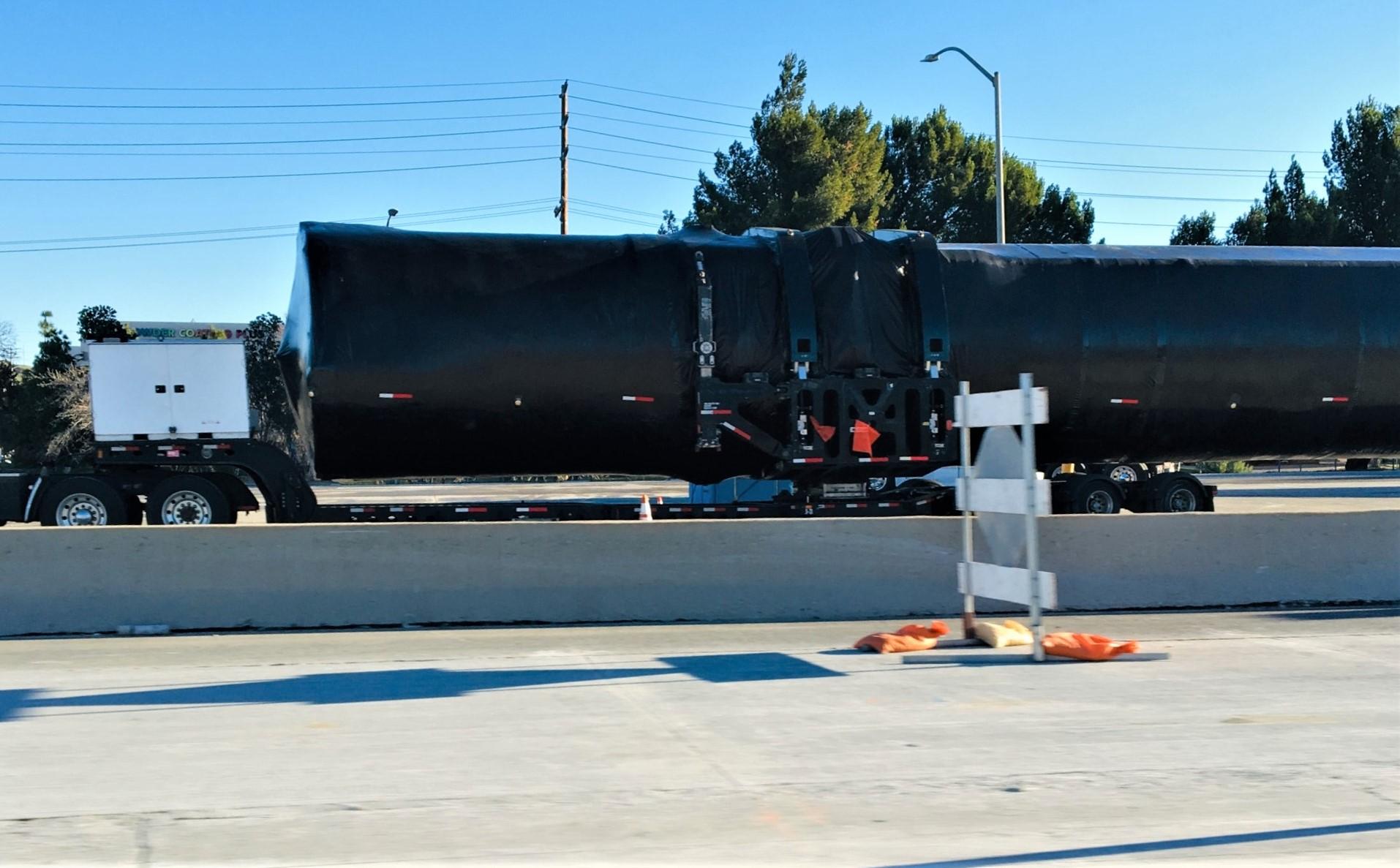 Falcon 9 booster I-5N Valencia CA 012219 (Reddit – intamin1) 1