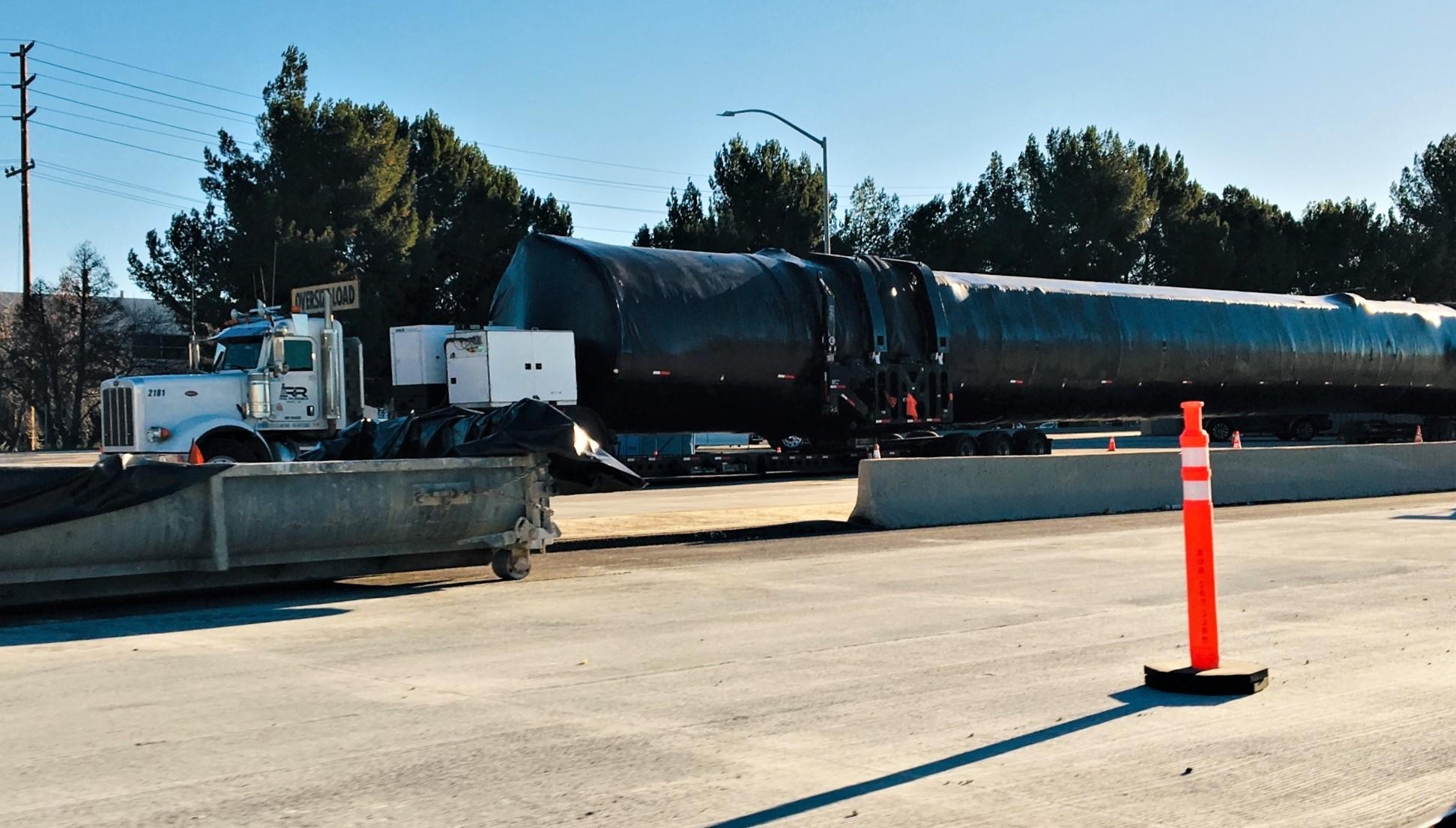 Falcon 9 booster I-5N Valencia CA 012219 (Reddit – intamin1) 2