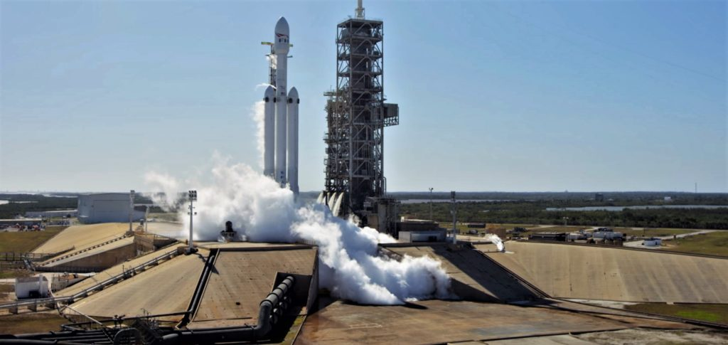 Tesla Solar Battery >> SpaceX's next Falcon Heavy begins to arrive at 39A as ...