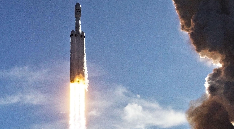 Falcon Heavy takes flight 3 (Tom Cross) edit 1
