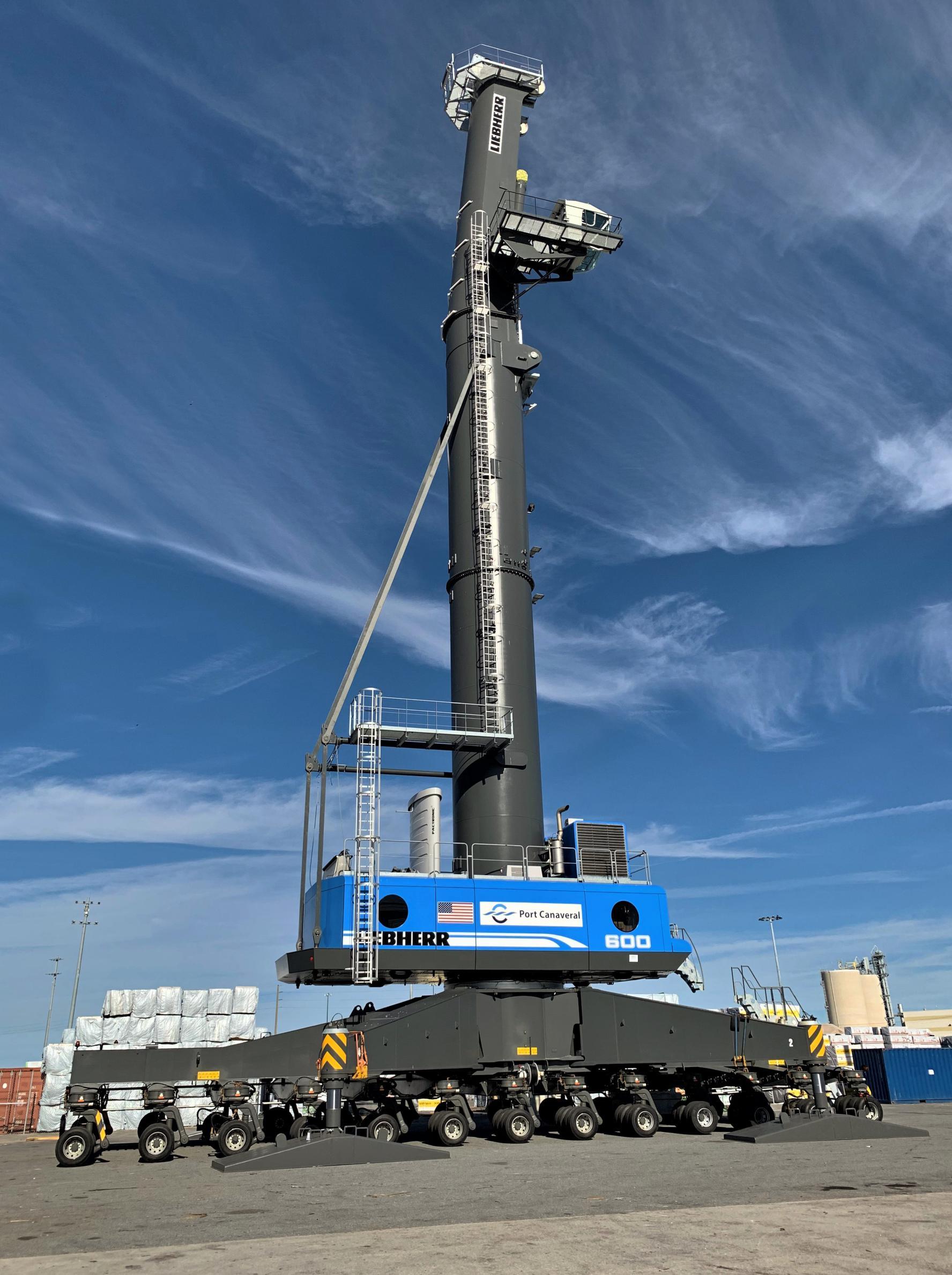 Liebherr LHM 600 crane Port Canaveral 011819 (Port Canaveral) 2(c)