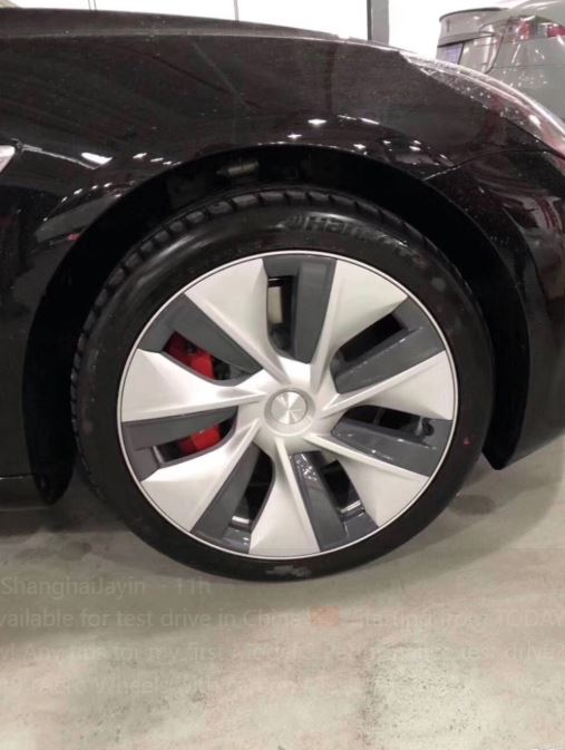 Model-3-performance-wheels_in-person_5