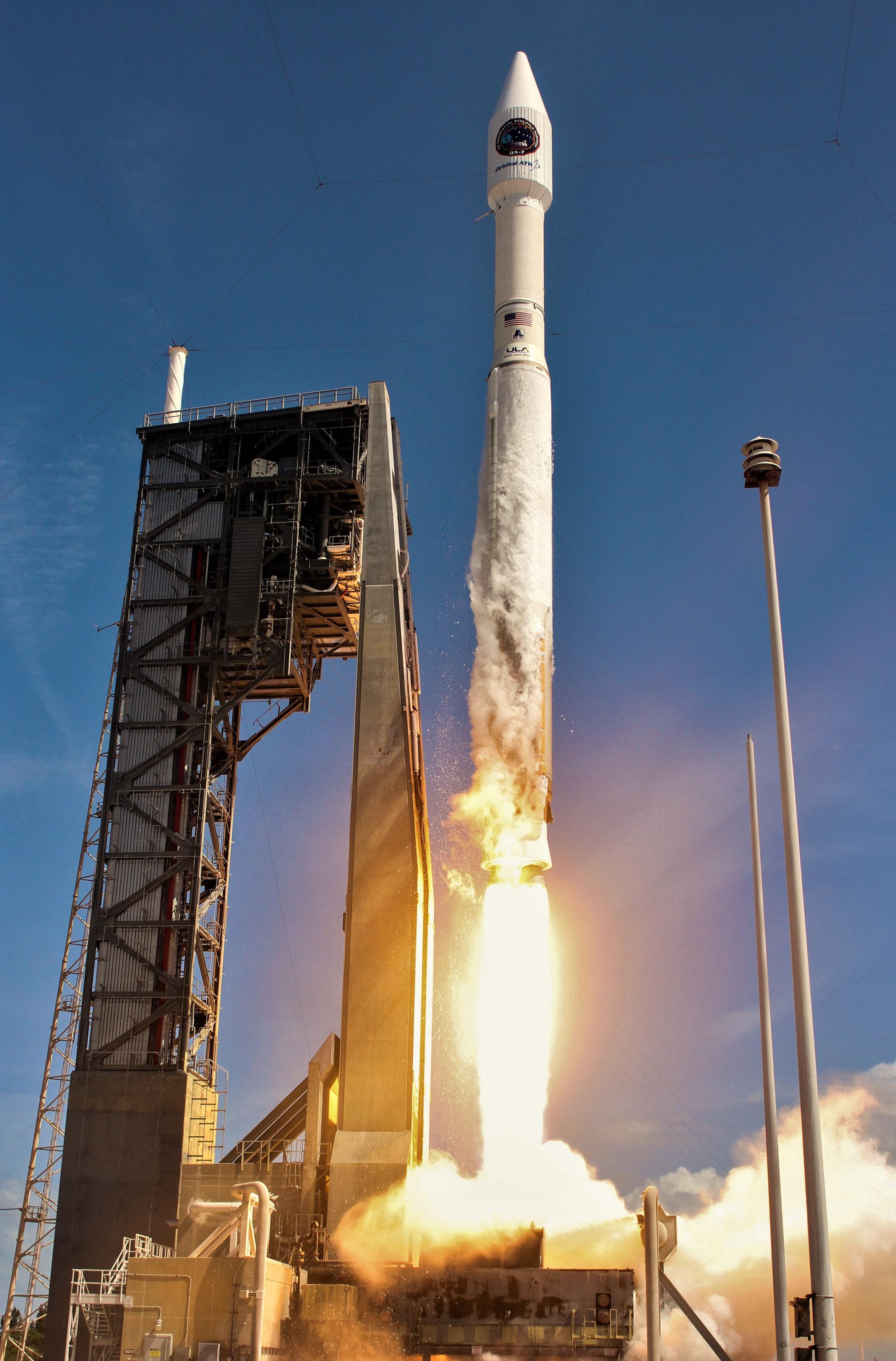 Atlas V 401 Cygnus OA-7 launch 2017 (ULA)
