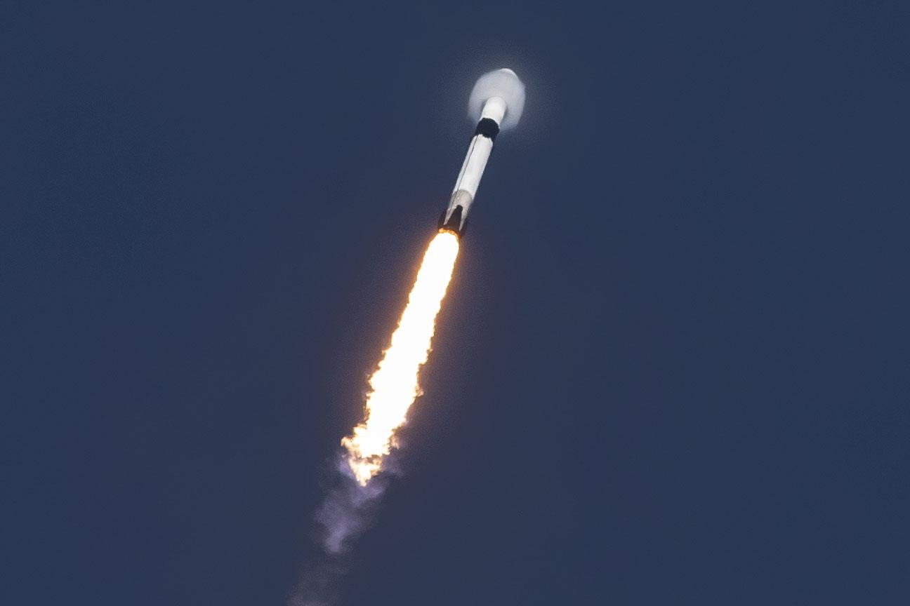 B1047 Es'Hail-2 launch (SpaceX) 6