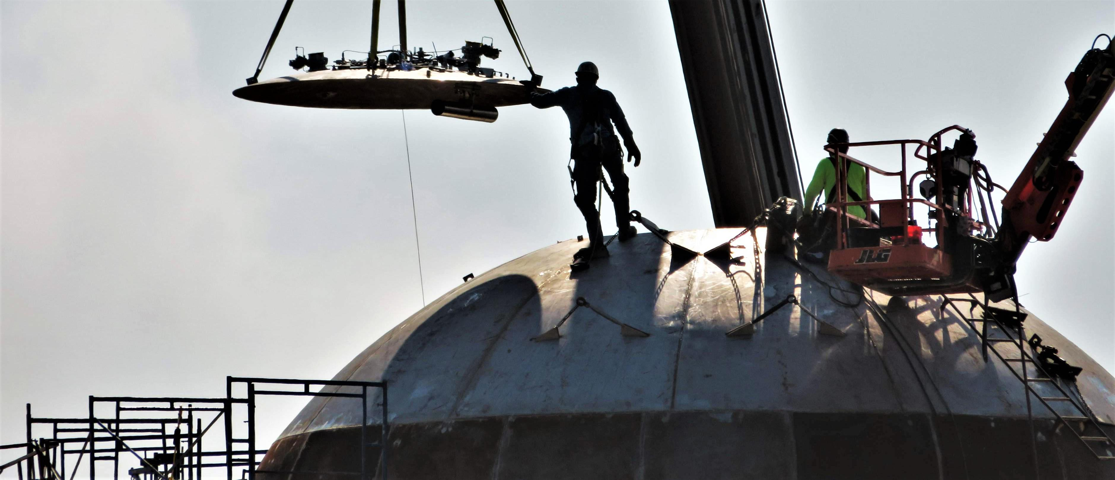 Boca Chica Starship dome cap install 020519 (NASASpaceflight – bocachicagal) 1 edit (c) – Copy