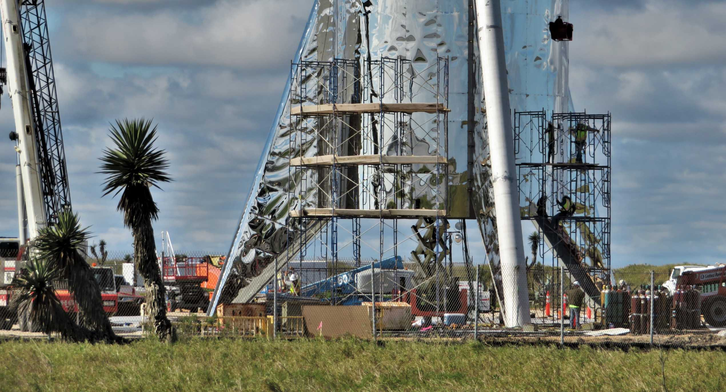 Boca Chica Starship dome work 012719 (NASASpaceflight – bocachicagal) 1 crop (c)