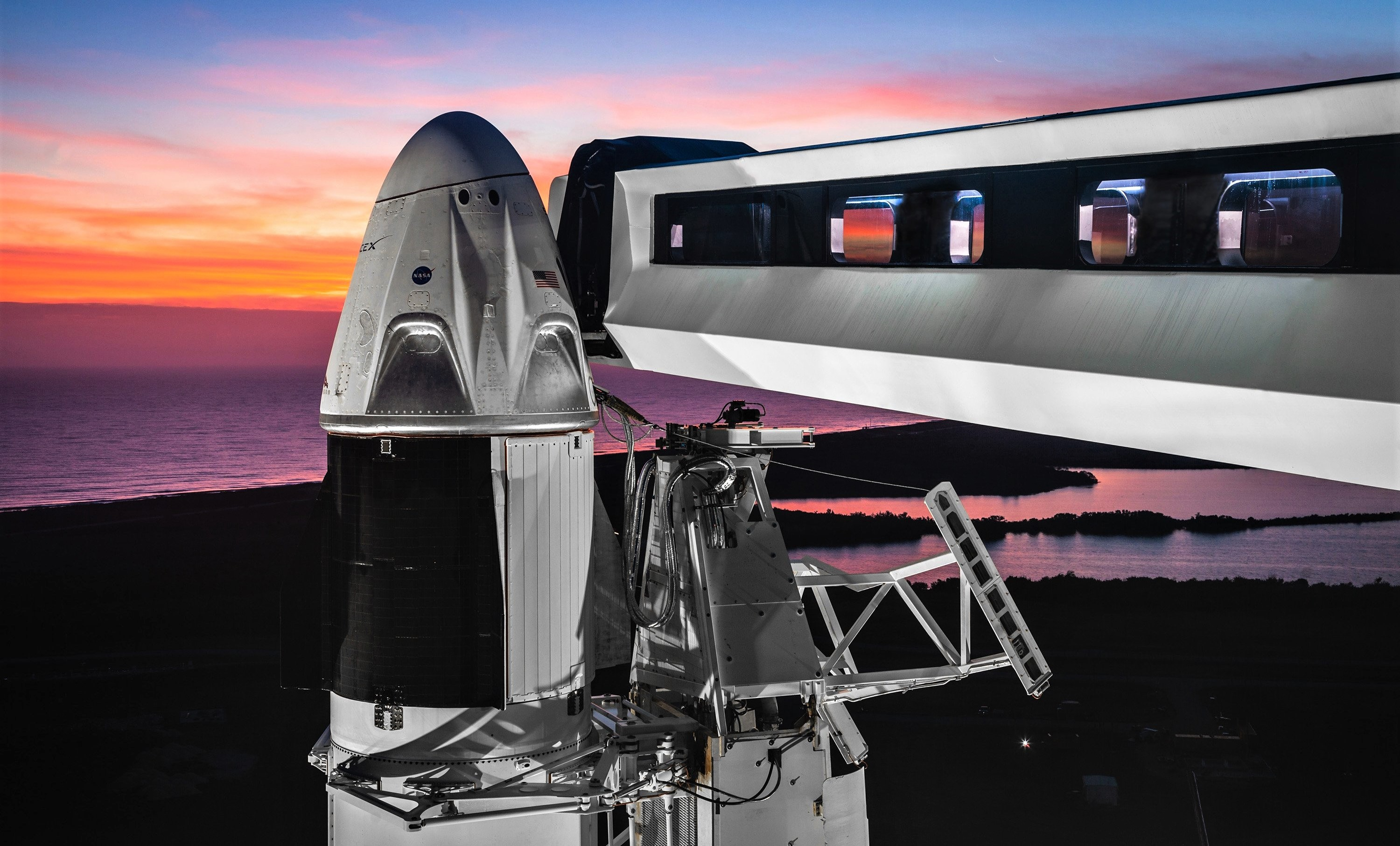 Crew Dragon DM-1 Falcon 9 B1051 Jan 2019 sunset (SpaceX) 1 crop