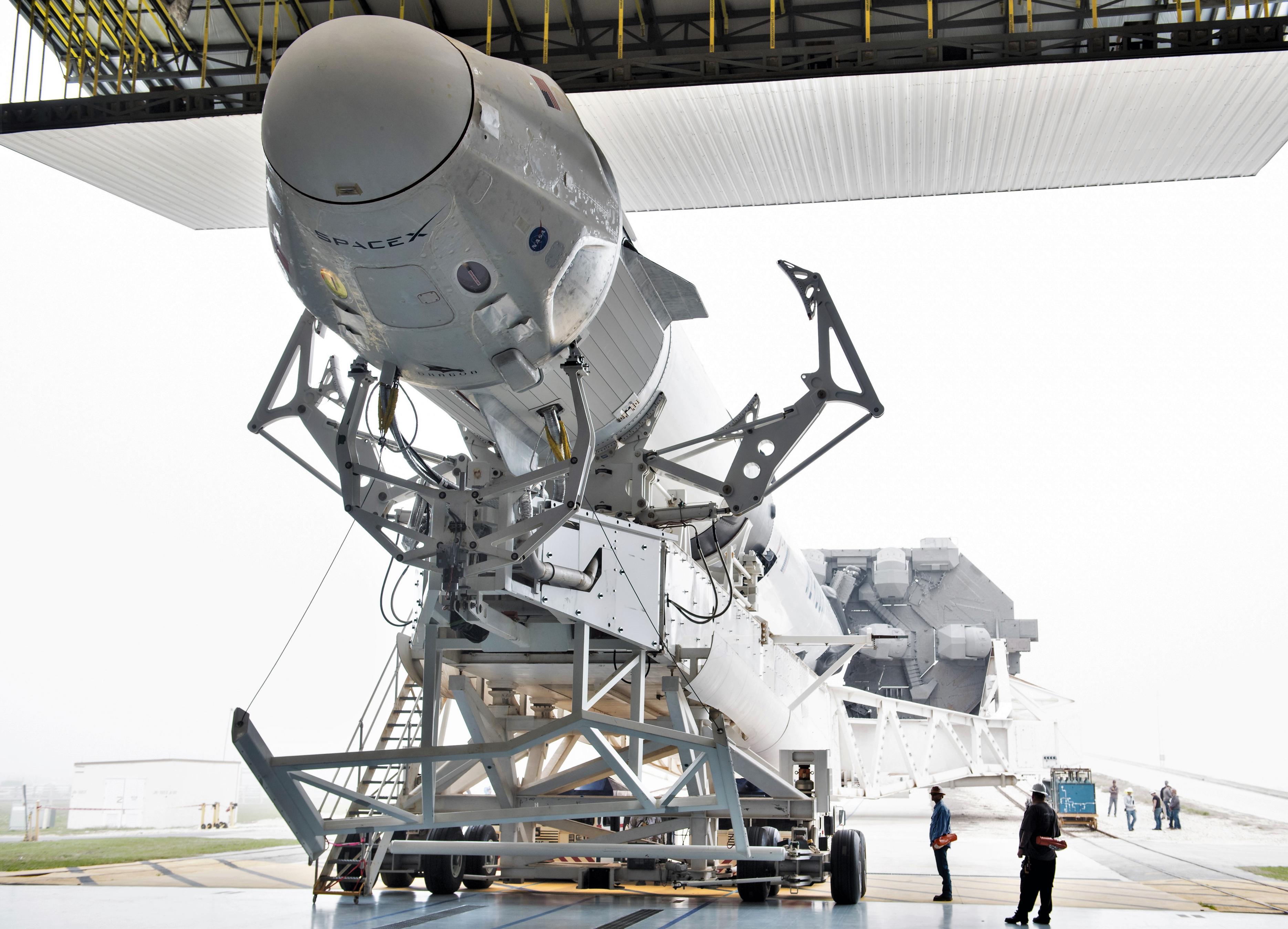 Crew Dragon Falcon 9 DM-1 39A rollout 022819 (NASA – Joel Kowsky) 2 (c)