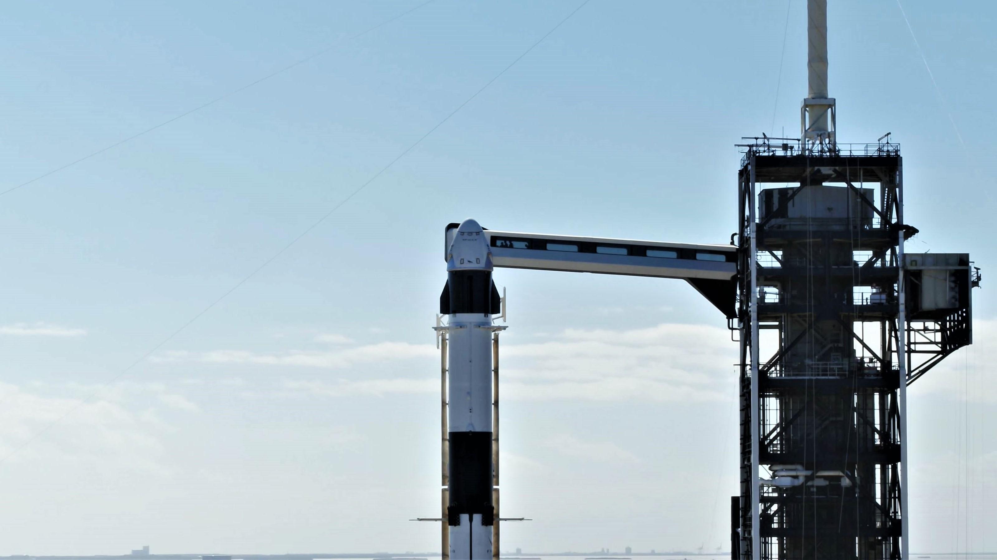 Crew Dragon Falcon 9 DM-1 vertical 39A (SpaceX) 15