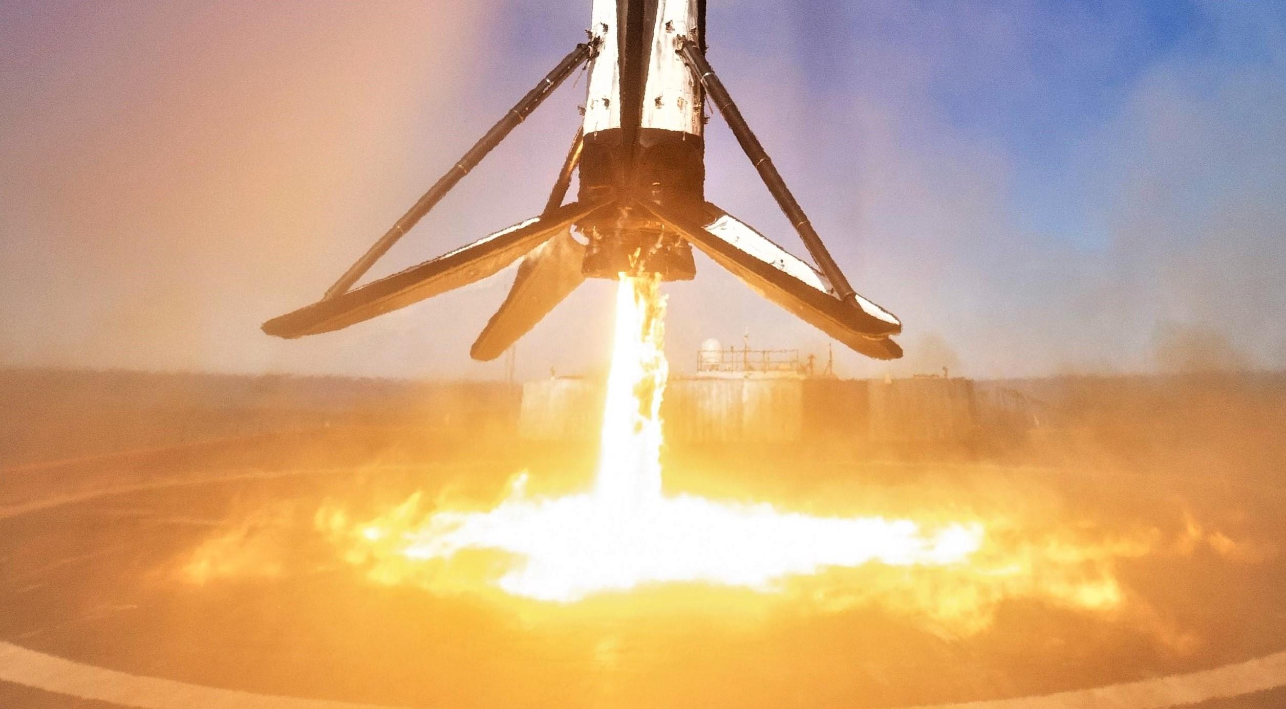 Falcon 9 B1046 SSO-A third landing (SpaceX) 2 edit 2(c) 1