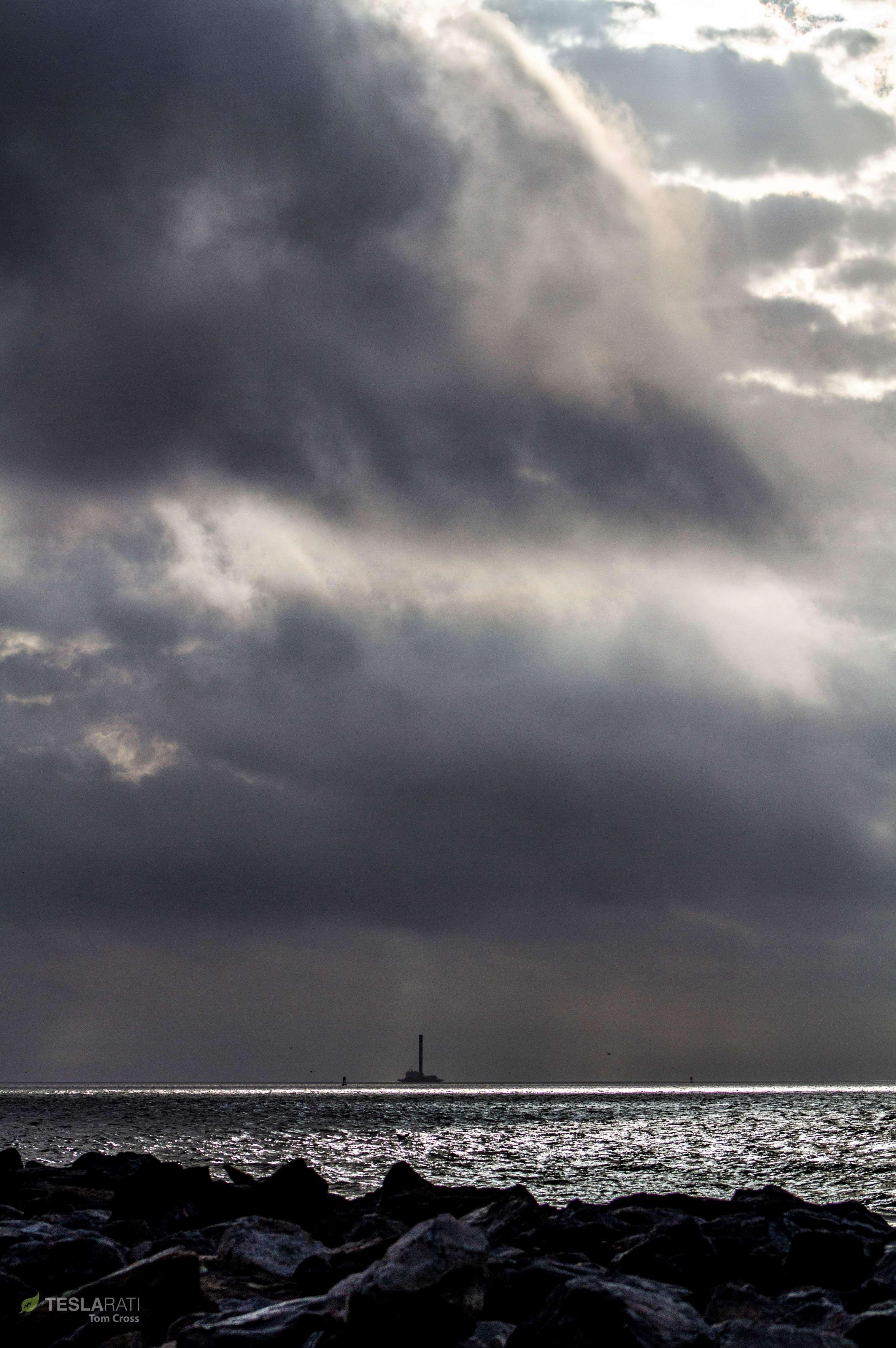 Falcon 9 B1048 PSN-6 OCISLY return 022419 (Tom Cross) 1 (c)