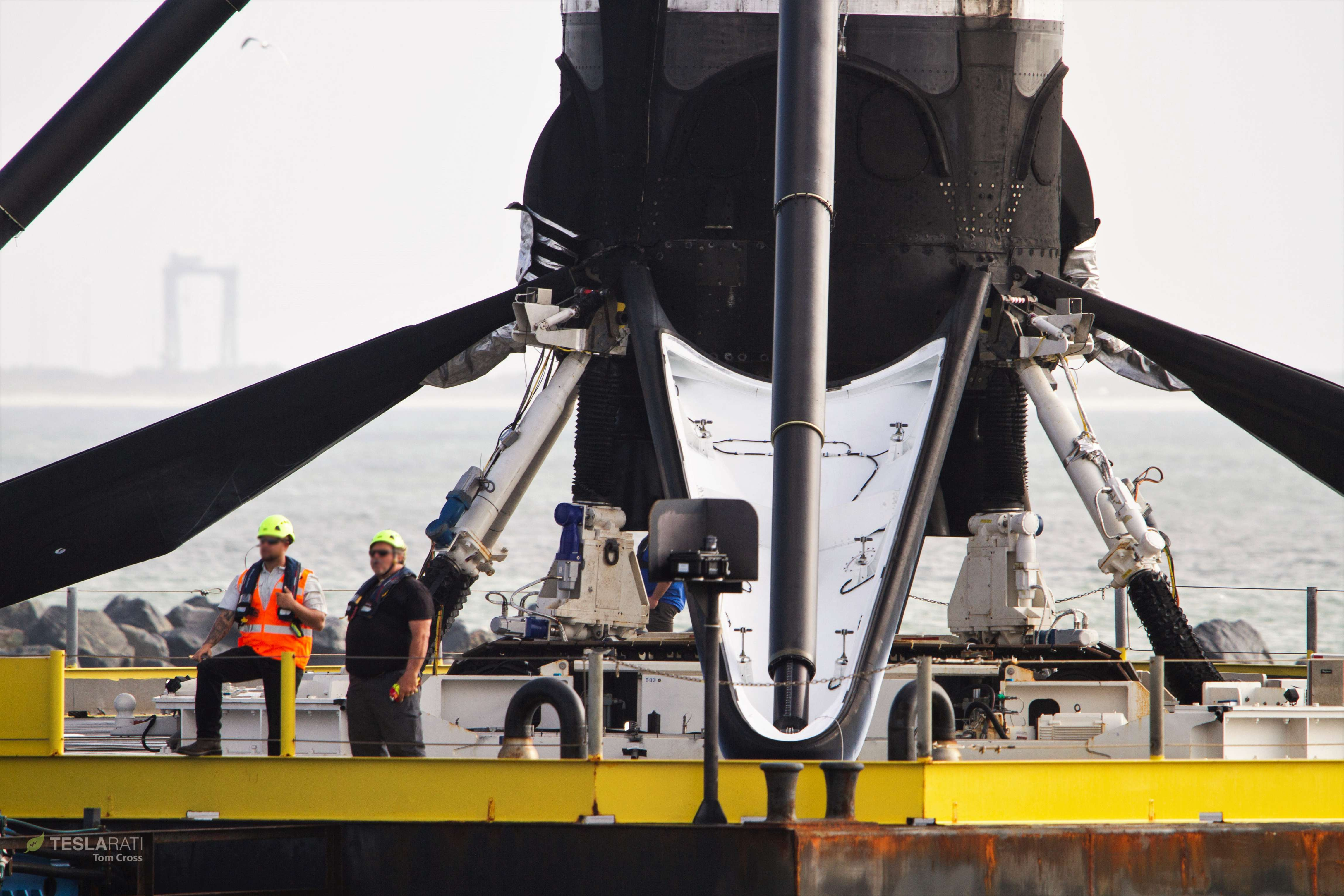 Falcon 9 B1048 PSN-6 OCISLY return 022419 (Tom Cross) 6 (c)