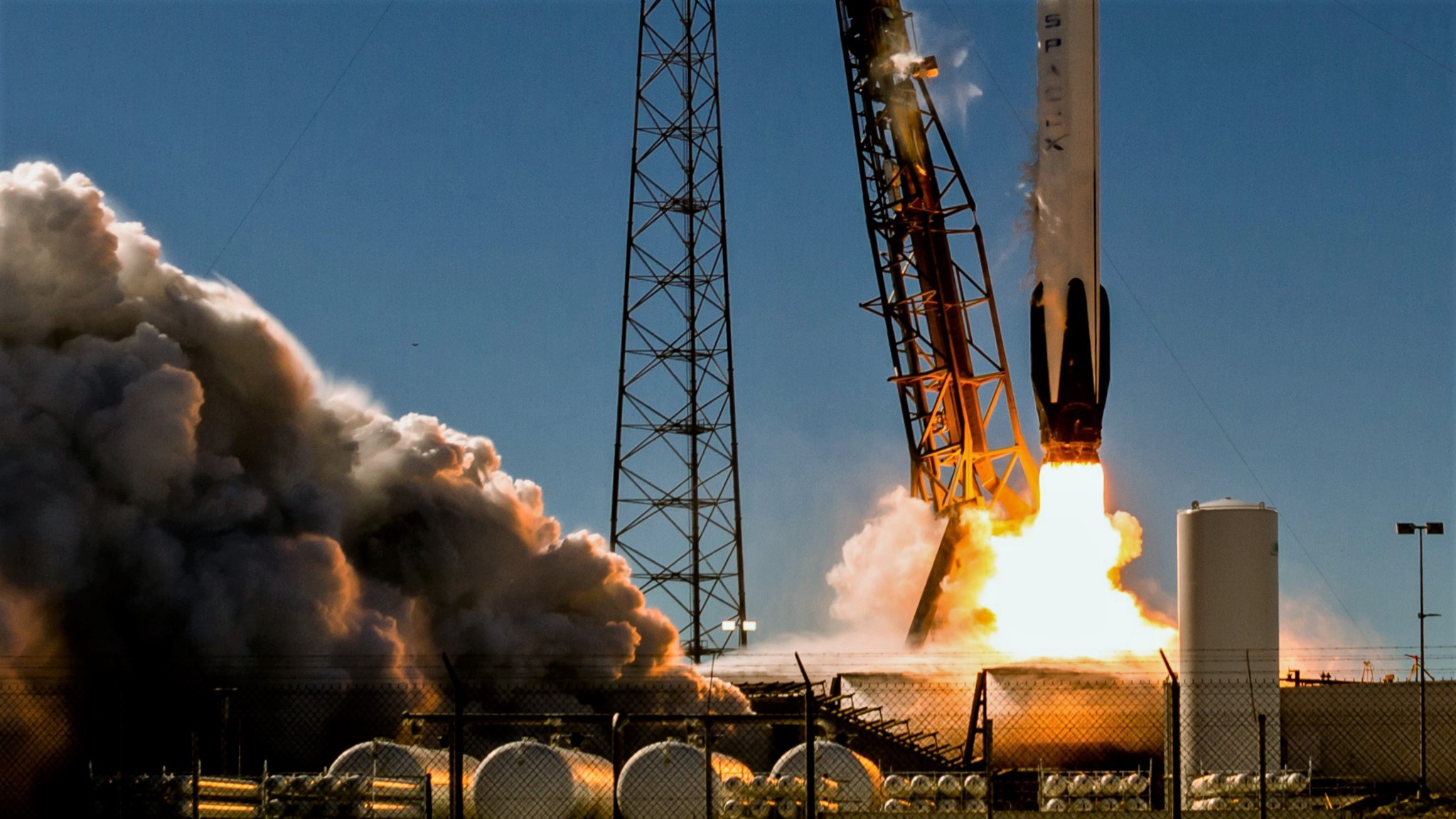 Falcon 9 B1050 launch (Tom Cross) 2 crop