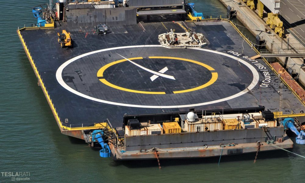 SpaceX's Falcon 9 recovery robot prepares for imminent rocket landing [photos]