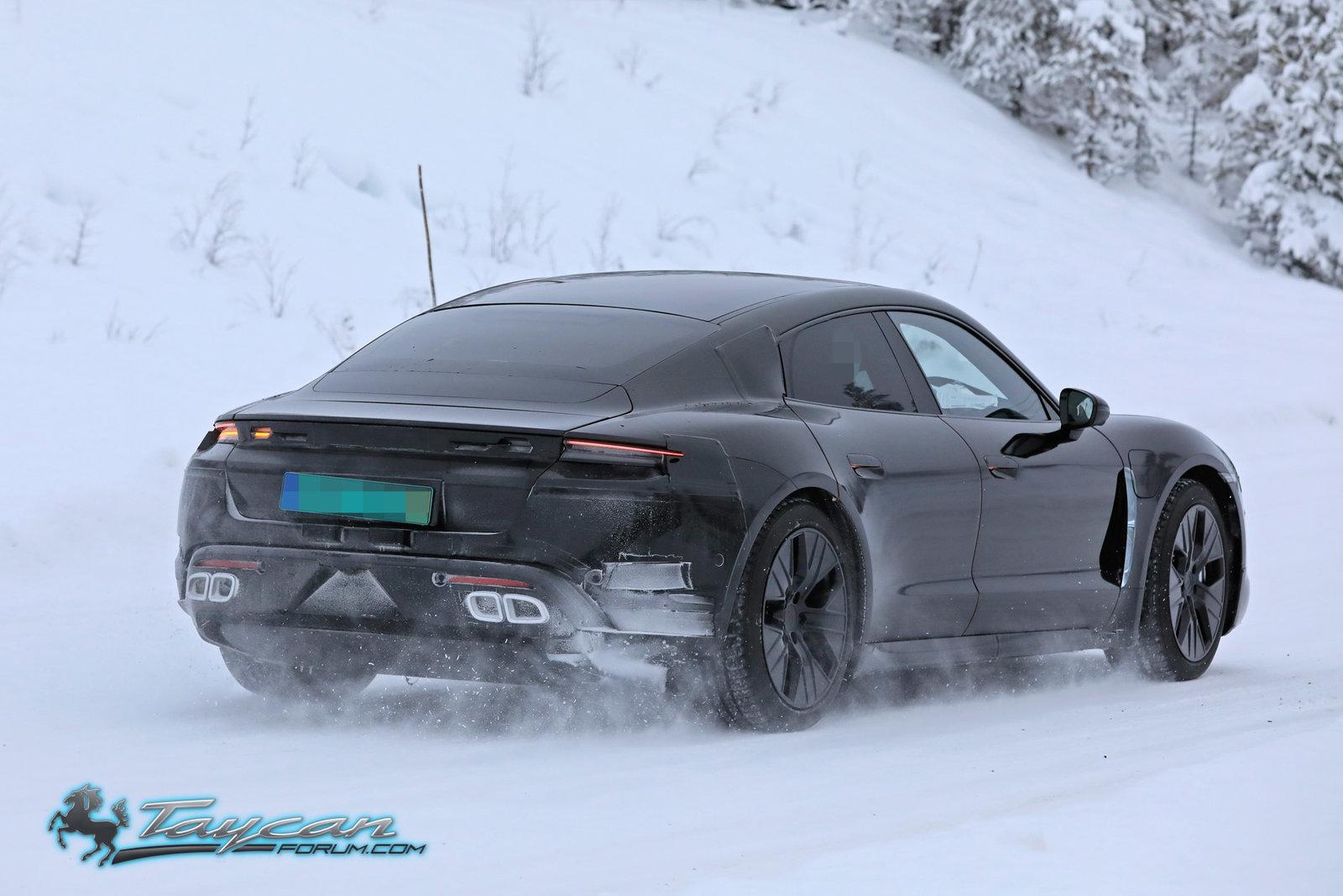 Porsche-Taycan-Prototype-winter-4