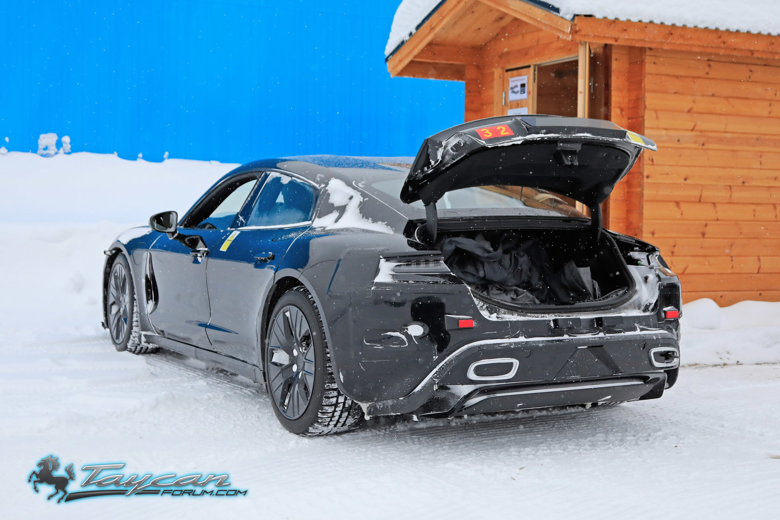 Porsche-Taycan-Prototype-winter-5