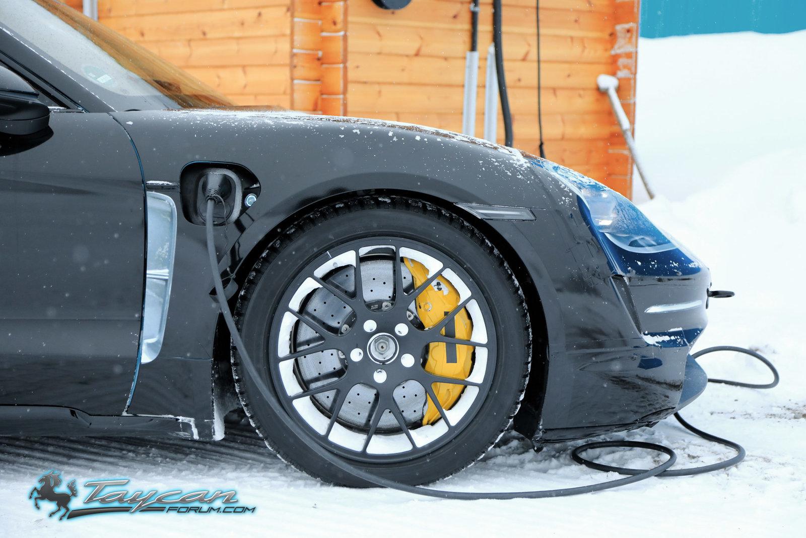 Porsche-Taycan-Prototype-winter-9