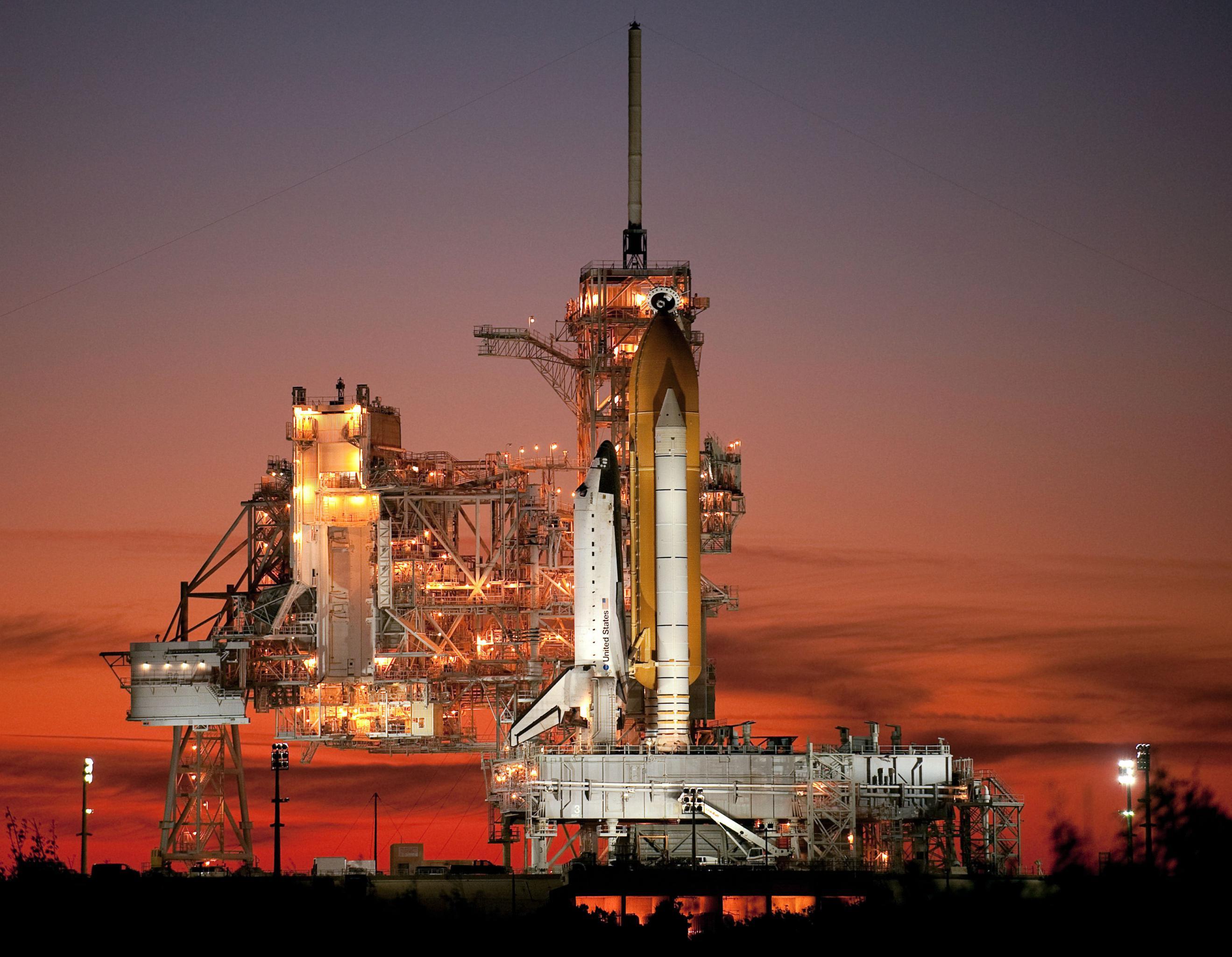 Shuttle Atlantis 39A STS-129 Nov 2009 (NASA) (c)