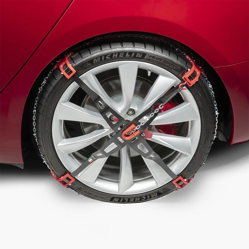 Tesla_Model-3_snow-tires_AWD