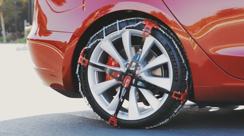 Tesla_Model-3_snow-tires_AWD_install_4